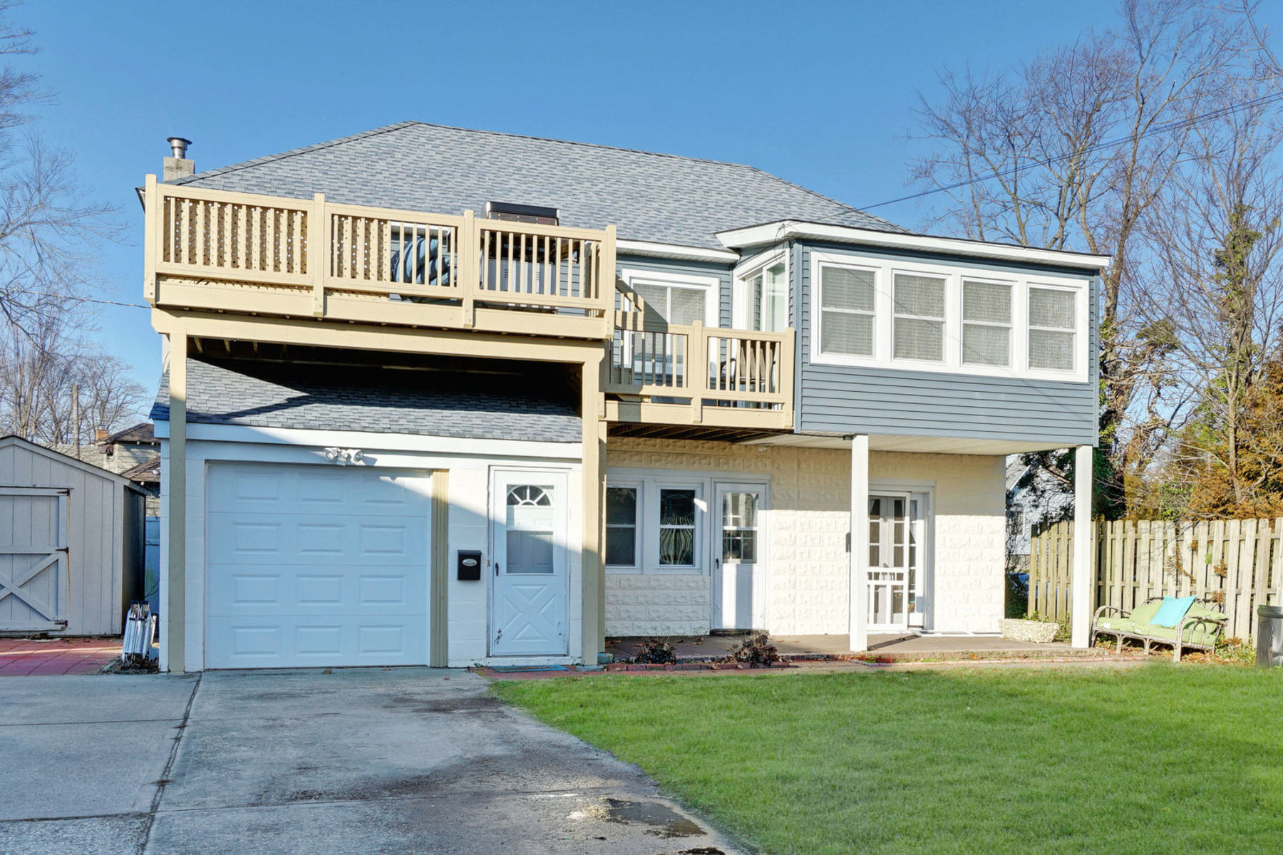 Multi-Family Home for Rent at 2nd Story Unit Near Beach and Downtown Belmar 2005 Main St #1, Lake Como, New Jersey 07719 United States