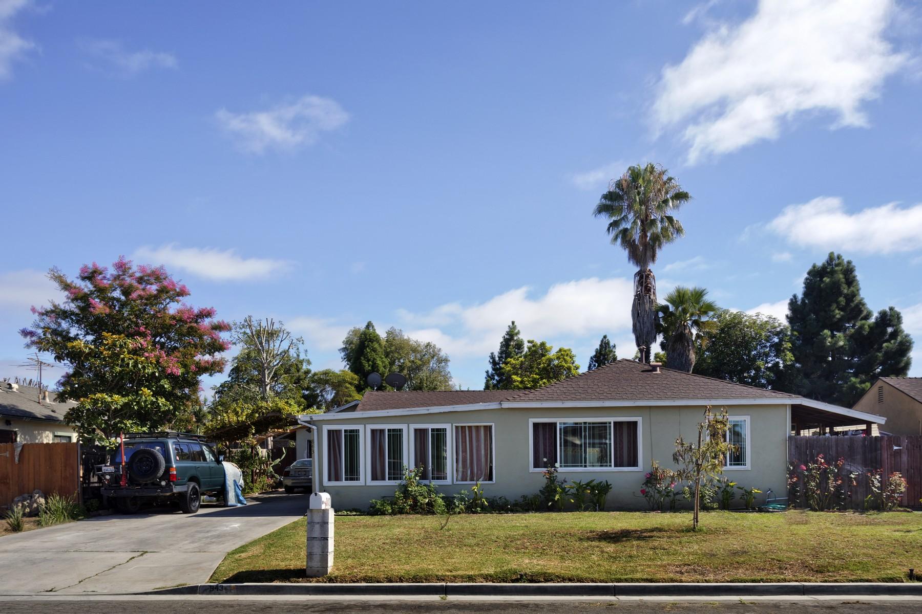 واحد منزل الأسرة للـ Sale في 843 Governor St. Costa Mesa, California, 92627 United States