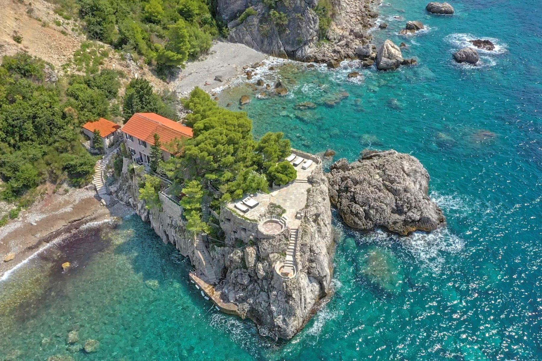 Single Family Homes for Active at Villa Peninsula Rezevici Budva Riviera Budva, Budva 85310 Montenegro