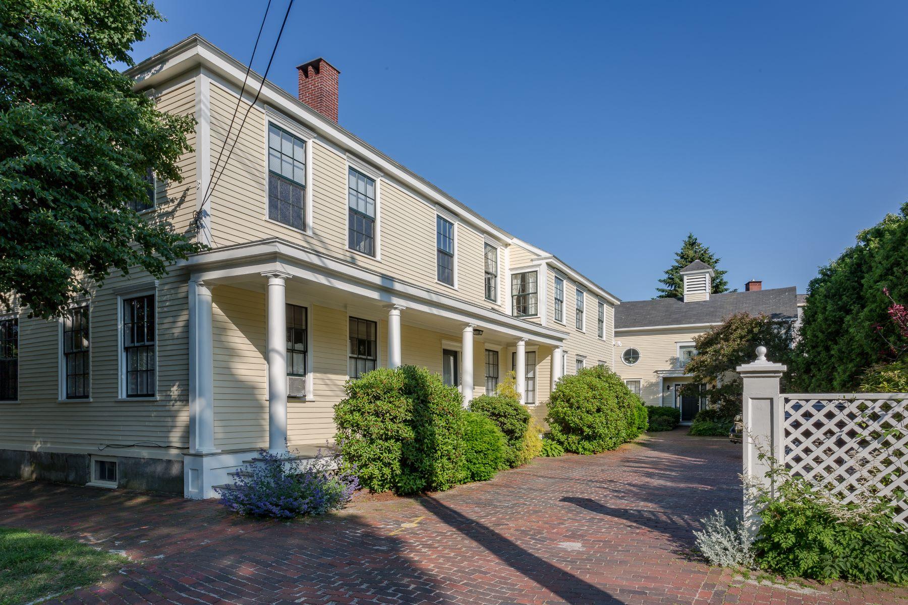 Condominiums للـ Sale في New Portland, Maine 04101 United States