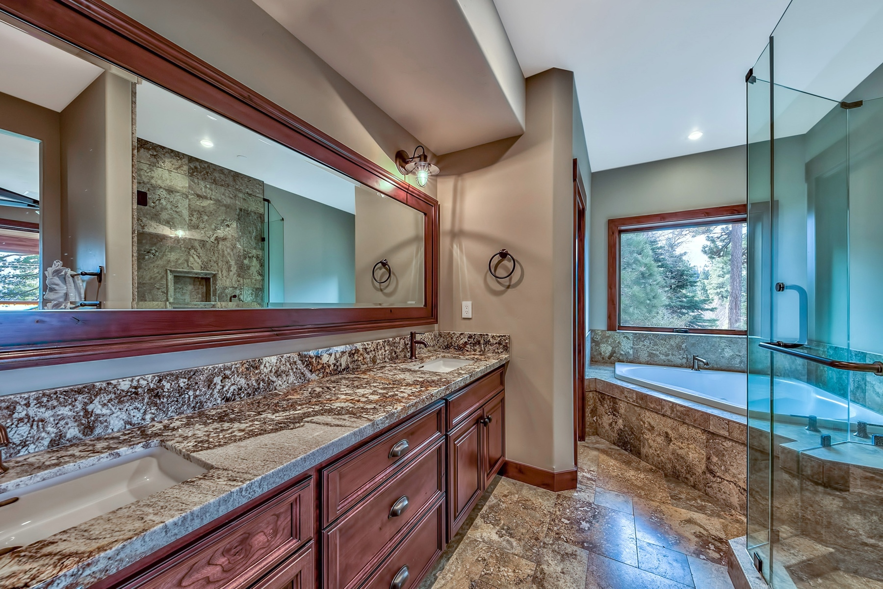 Additional photo for property listing at 3914 Saddle Road South Lake Tahoe, CA 96150 3914 Saddle Road South Lake Tahoe, California 96150 United States