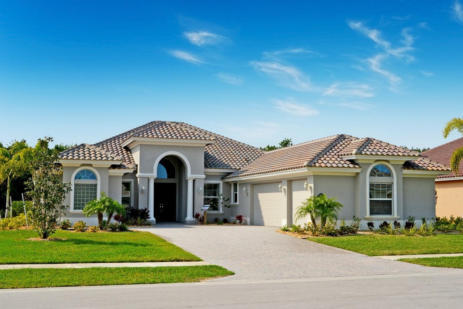 Casa para uma família para Venda às Lake Sapphire 415 Sapphire Way Vero Beach, Florida, 32968 Estados Unidos