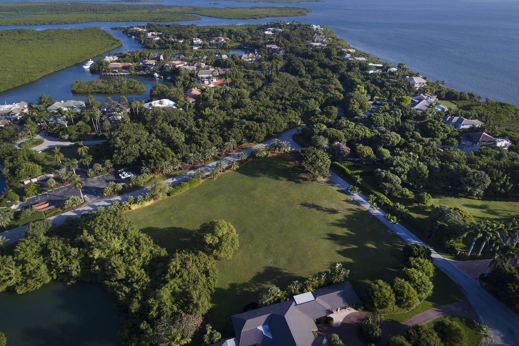 Additional photo for property listing at Canalfront Vacant Lot at Ocean Reef 16 Osprey Lane Key Largo, Florida 33037 États-Unis