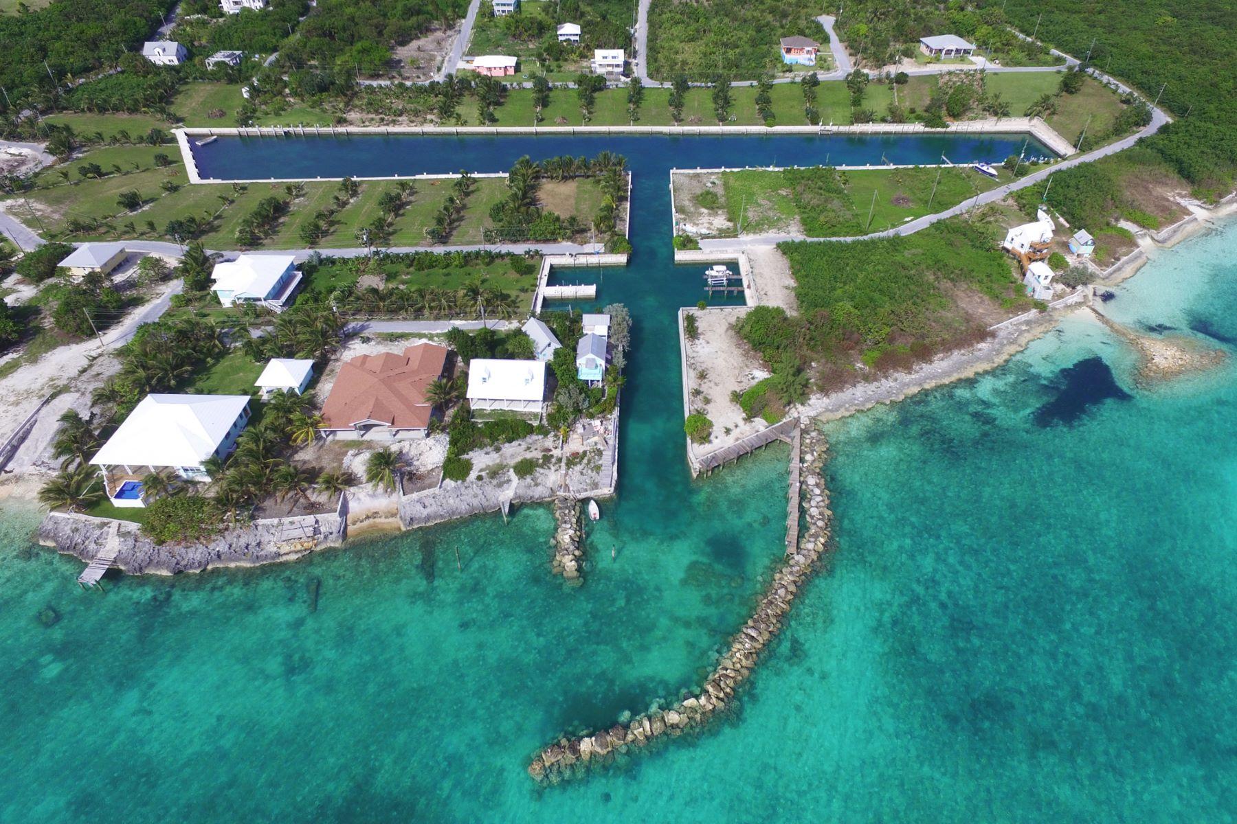 土地 のために 売買 アット Pelican Bay Canal Lot 13 Russell Island, Spanish Wells, エリューセラ バハマ