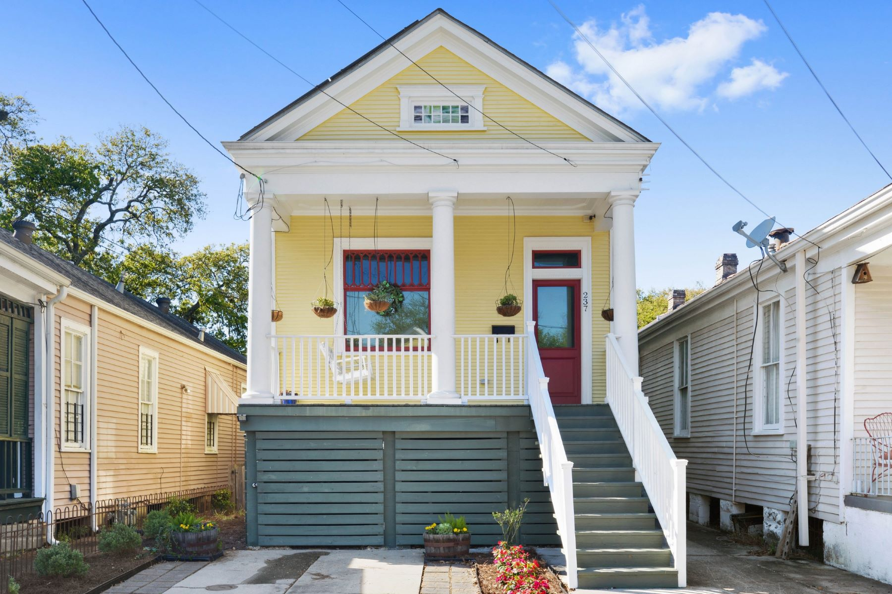 Single Family Home for Sale at 237 S Solomon St 237 S Solomon St New Orleans, Louisiana 70119 United States