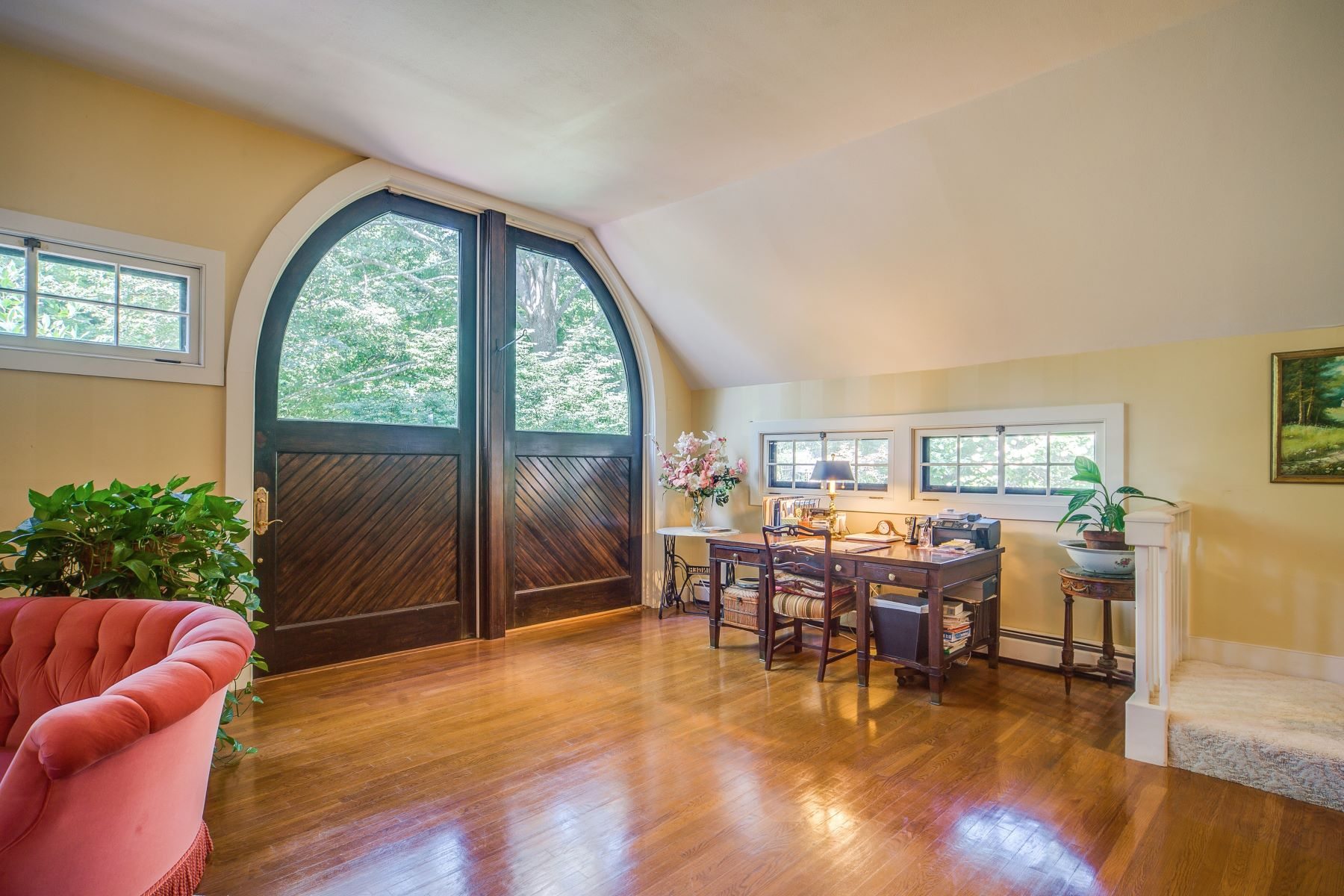 Additional photo for property listing at Oakwold Carriage House 107 Old Beach Road 5 Newport, Rhode Island 0284 United States