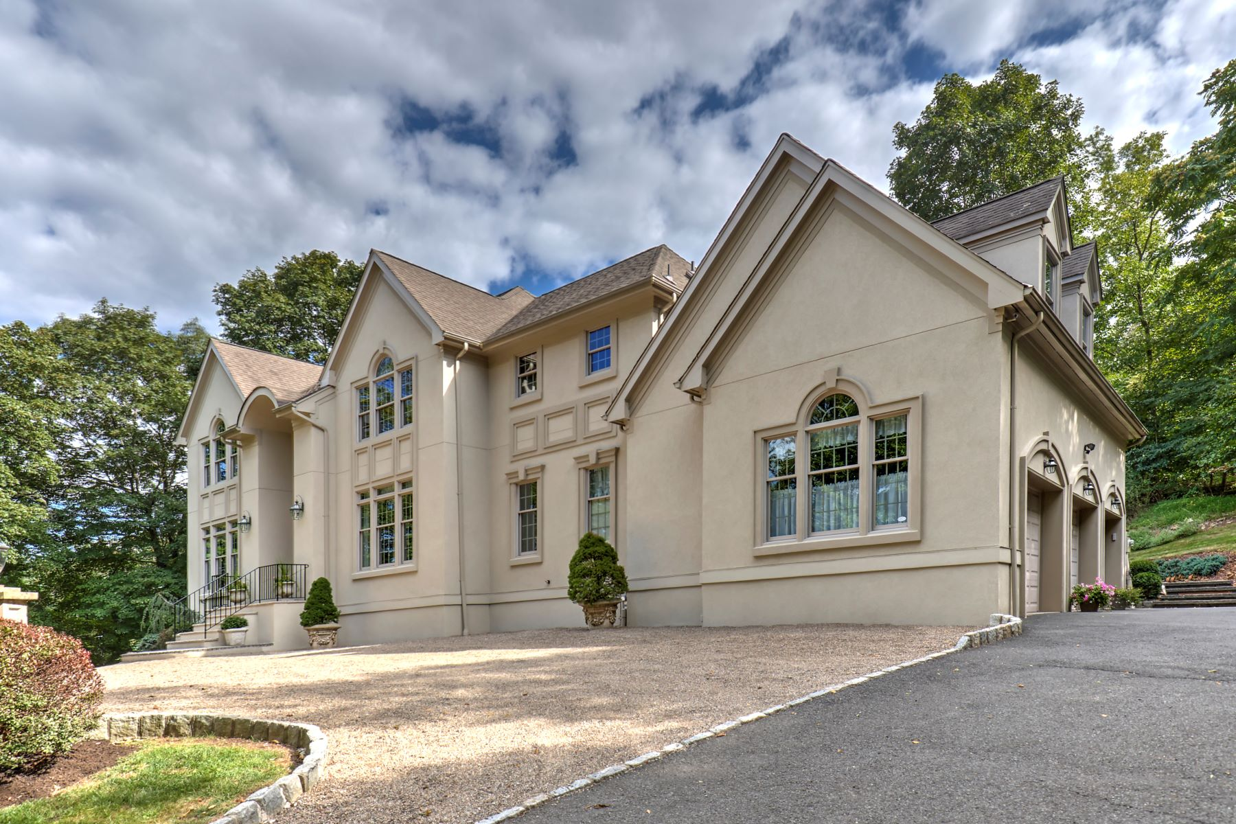 Single Family Homes por un Venta en Elegant Custom Home 18 Jennifer Lane Warren, Nueva Jersey 07059 Estados Unidos
