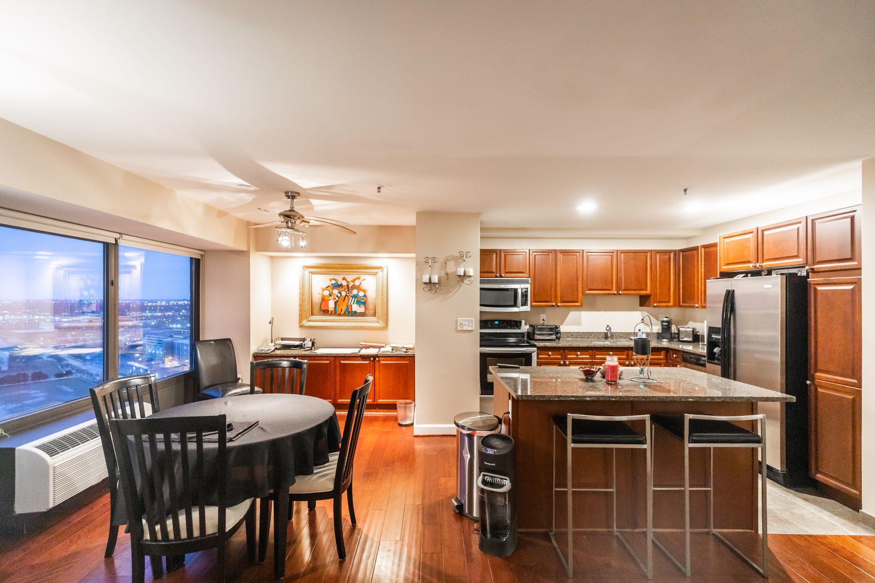 Condominiums for Sale at Detroit 300 Riverfront Dr Detroit, Michigan 48226 United States