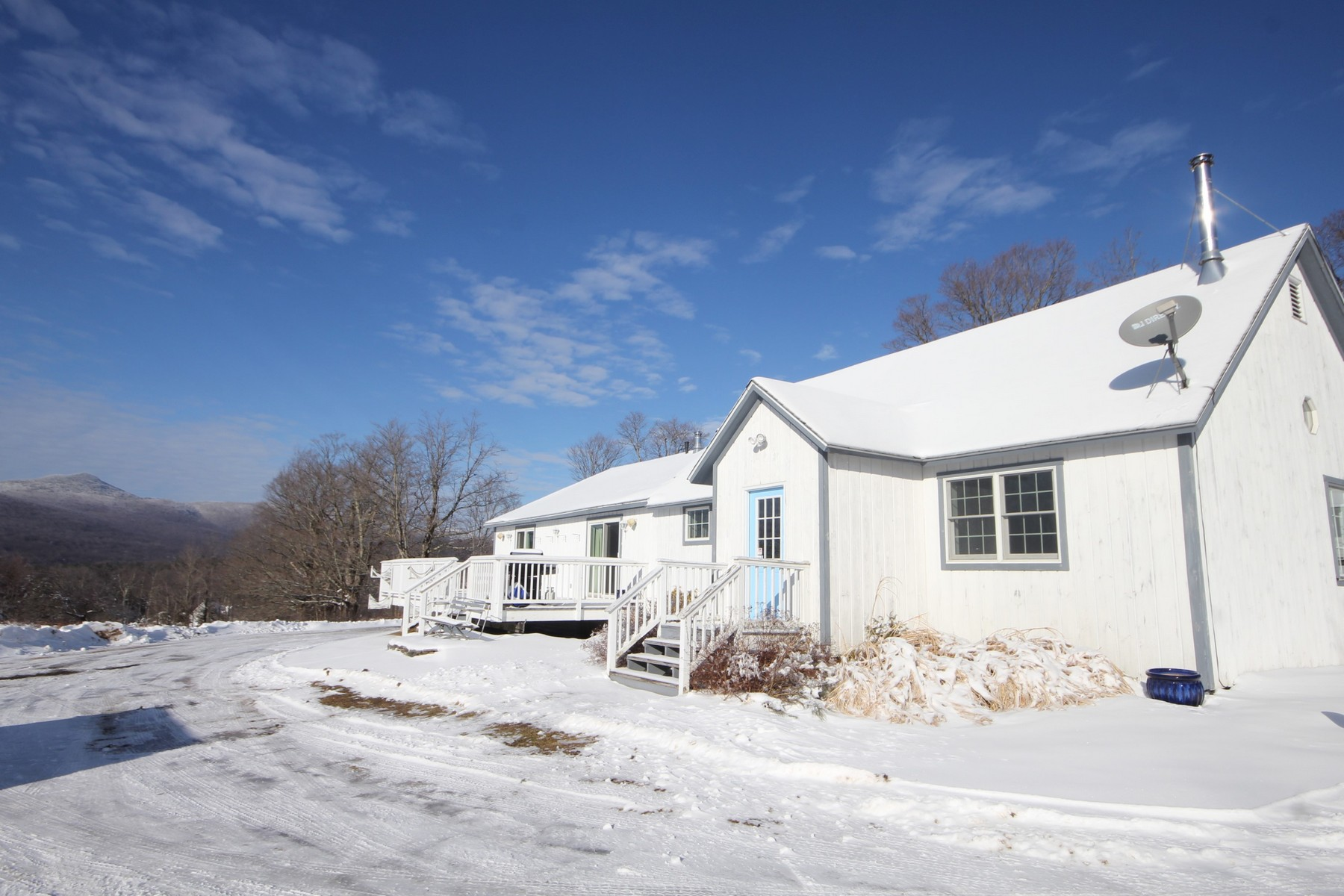 Single Family Homes for Sale at More Than Meets the Eye 210 Ray Hill Rd Wilmington, Vermont 05363 United States