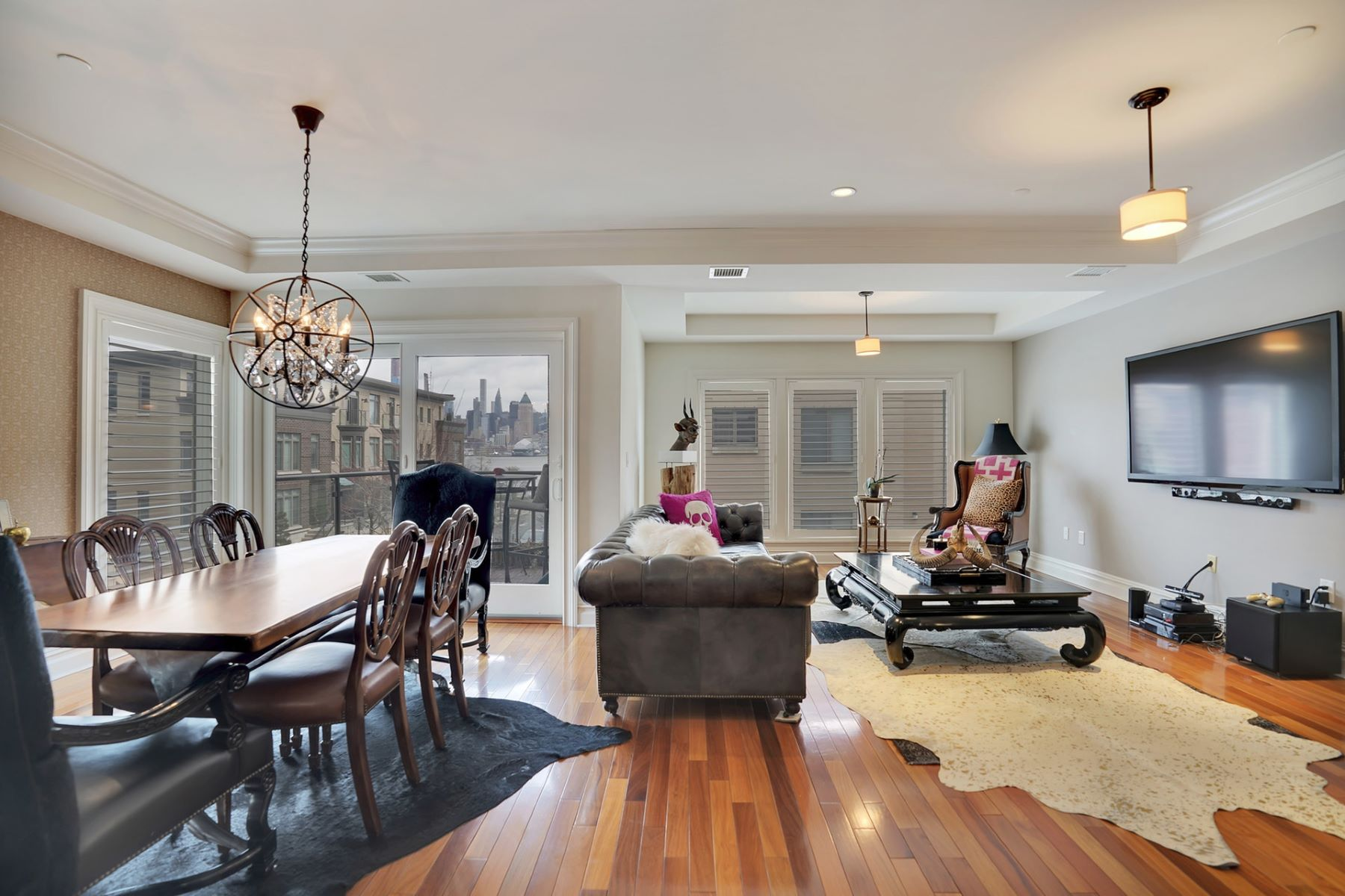 Apartments for Rent at Oversized 2 Bedroom / 2.5 Bathroom suite 200 Eton Row #31, Weehawken, New Jersey 07086 United States