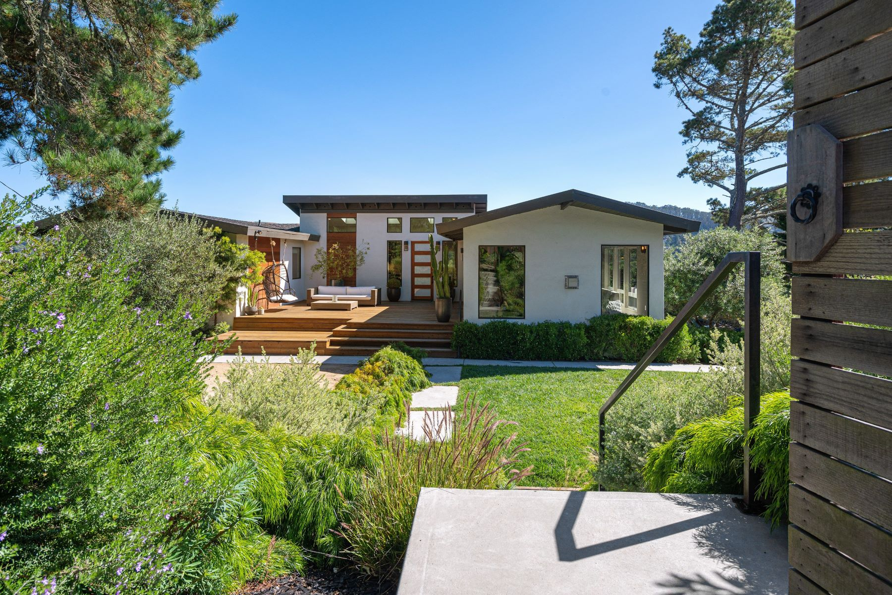 Single Family Homes for Sale at Dazzling Remodeled Entertainers Home 112 Peralta Avenue, Mill Valley, California 94941 United States
