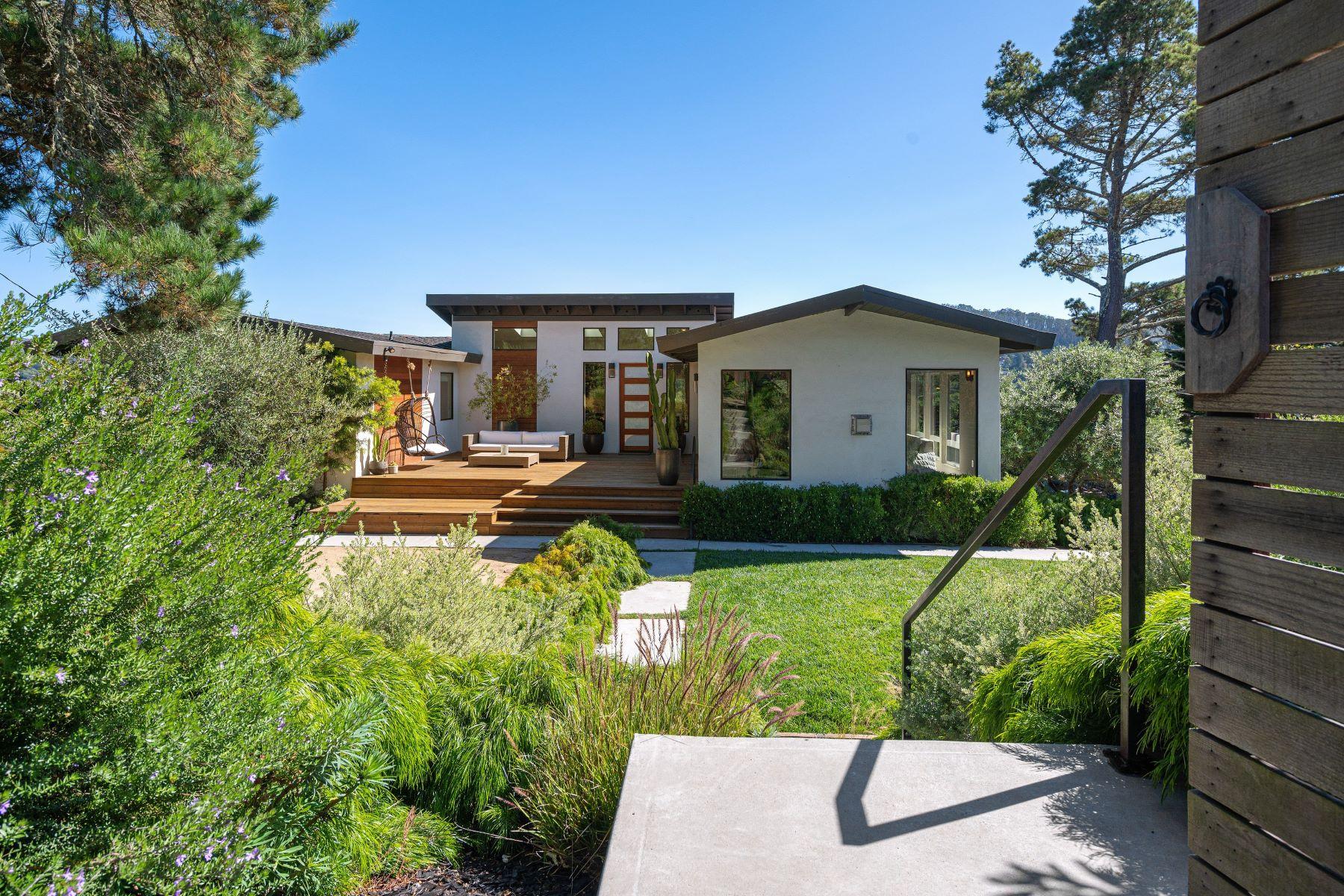 Single Family Homes pour l Vente à Dazzling Remodeled Entertainers Home 112 Peralta Avenue, Mill Valley, Californie 94941 États-Unis