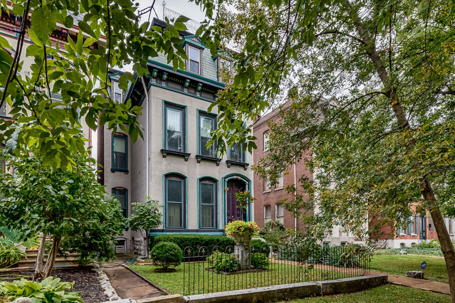 Additional photo for property listing at Park Ave 2332 Park Ave St. Louis, Missouri 63104 United States