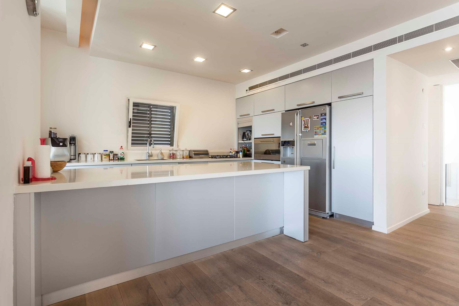 Additional photo for property listing at Contemporary Duplex with Captivating Sea View Tel Aviv, Israel Israël