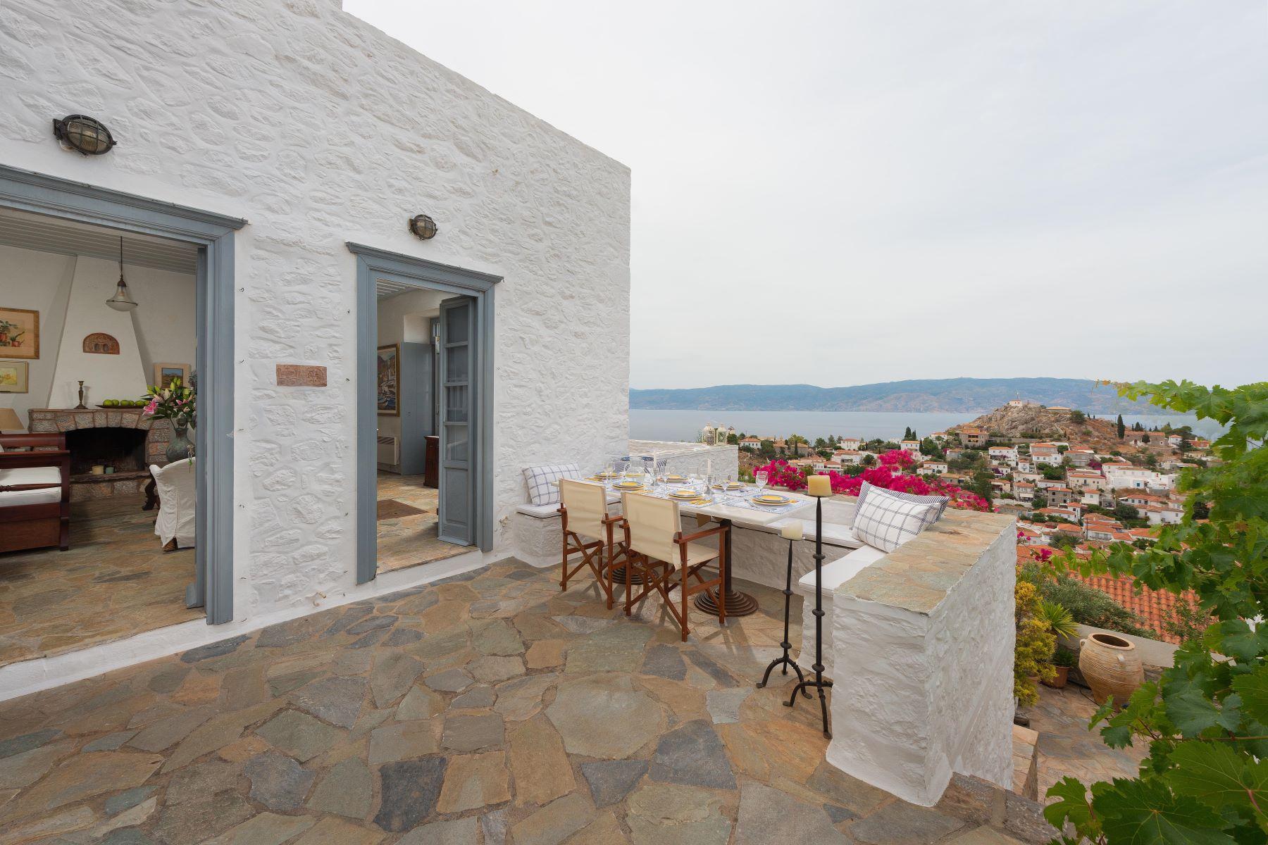 Villa per Vendita alle ore Authentic Hideaway Other Attiki, Attica, Grecia