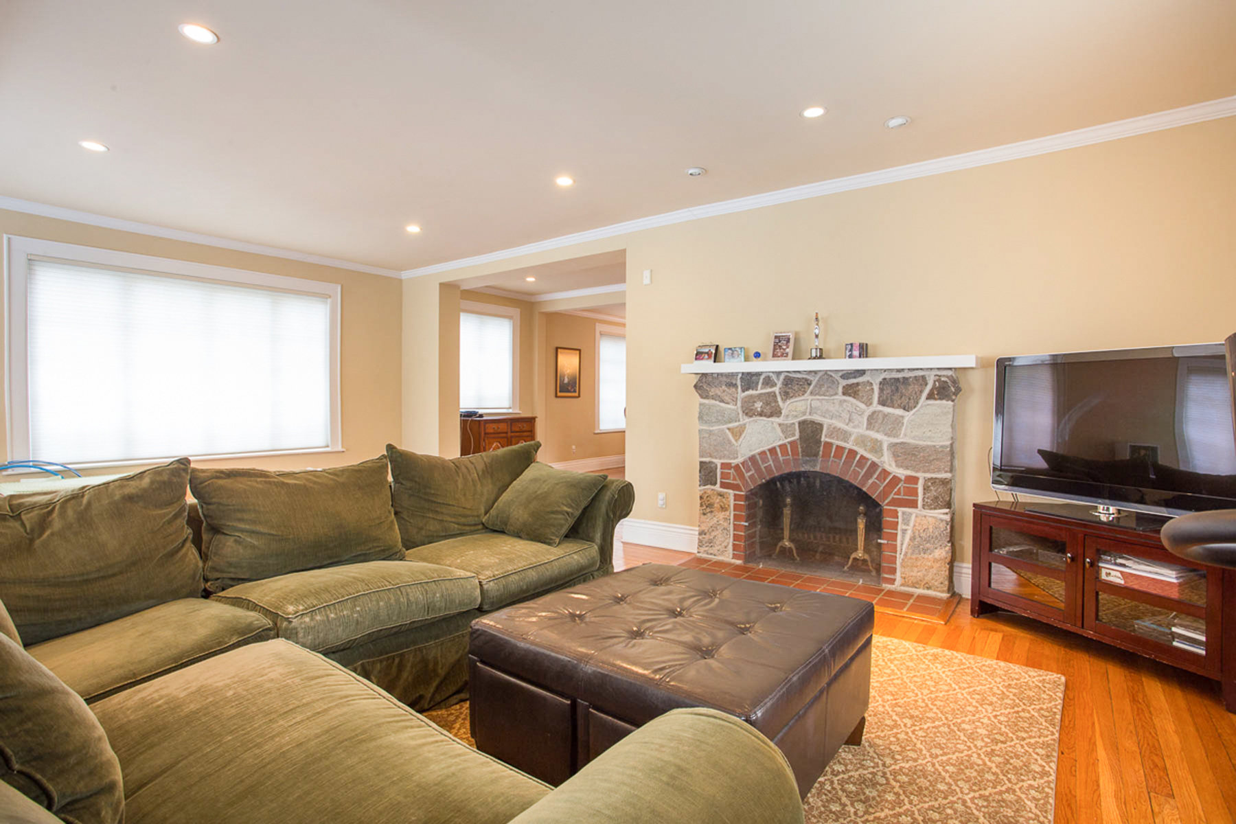 "واحد منزل الأسرة للـ Sale في ""WELCOME HOME"" 115-07 Union Turnpike, Forest Hills Gardens,, Forest Hills Gardens, Forest Hills, New York, 11375 United States"