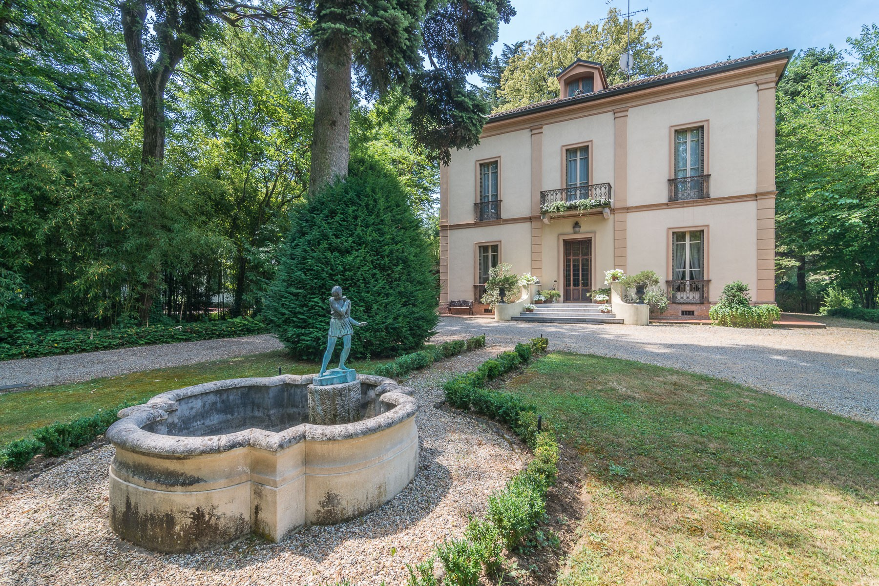 Single Family Home for Sale at Charming Villa of the XX Century immersed in the countryside Via delle Terme Salice Terme, Pavia 27052 Italy