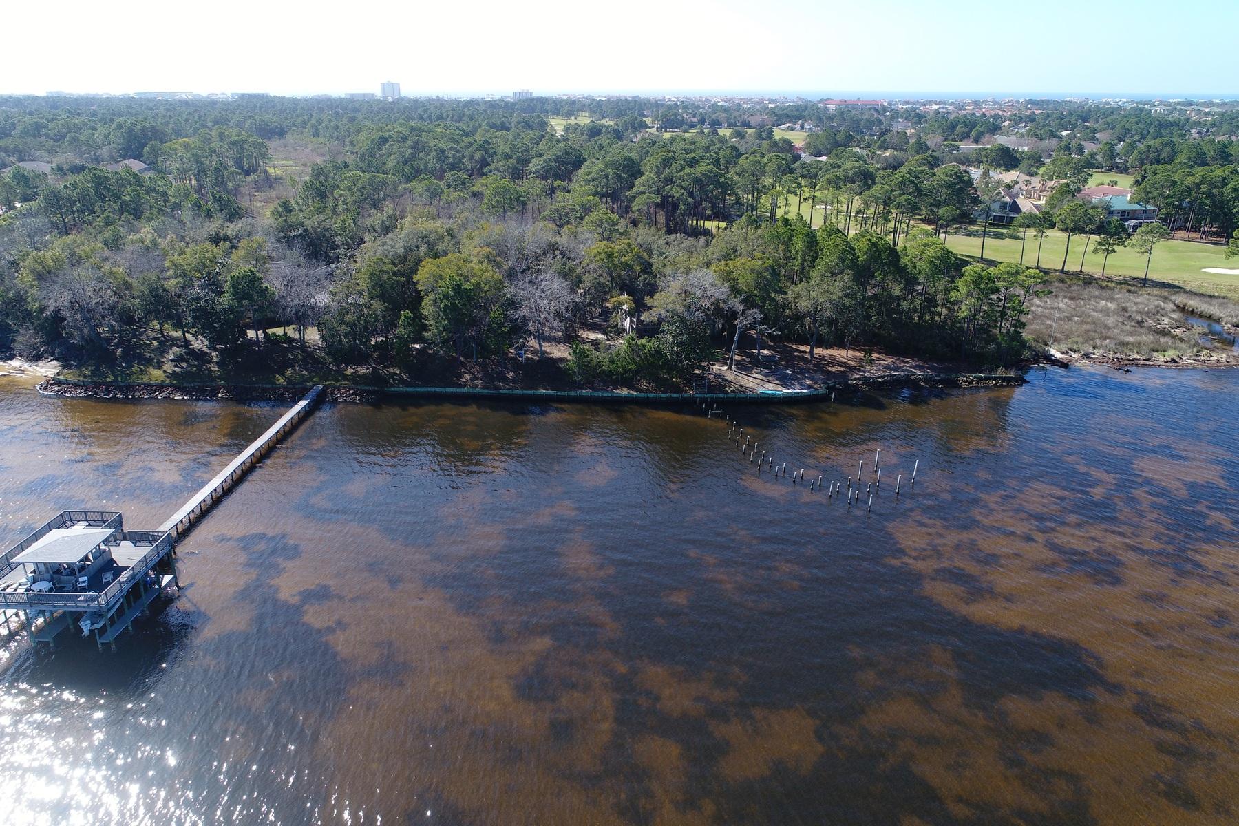 Terreno per Vendita alle ore EXCEPTIONAL HOMESITE LOCATED ON 100 FEET OF BAYFRONT Lot 26 Walton Way Miramar Beach, Florida, 32550 Stati Uniti