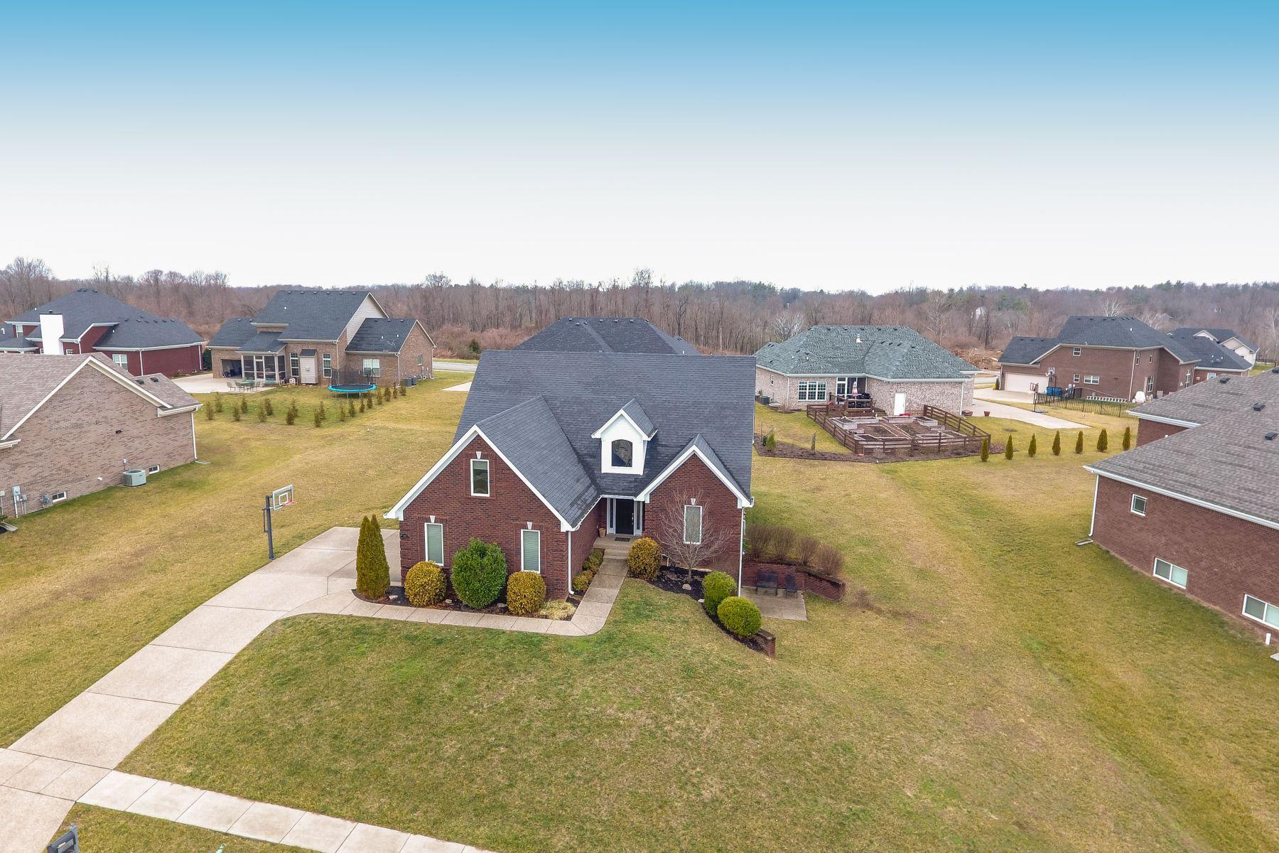 Single Family Homes por un Venta en 1608 Church Side Drive Goshen, Kentucky 40026 Estados Unidos