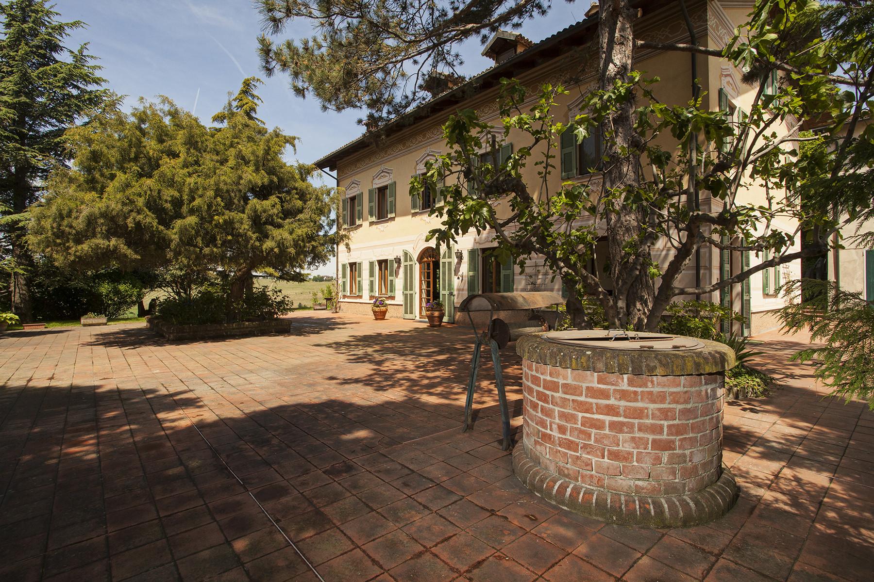 Additional photo for property listing at Elegant villa on top of a hill of Monferrato Vicolo Palazzo 1 Rocca Grimalda, Alessandria 15078 Italy