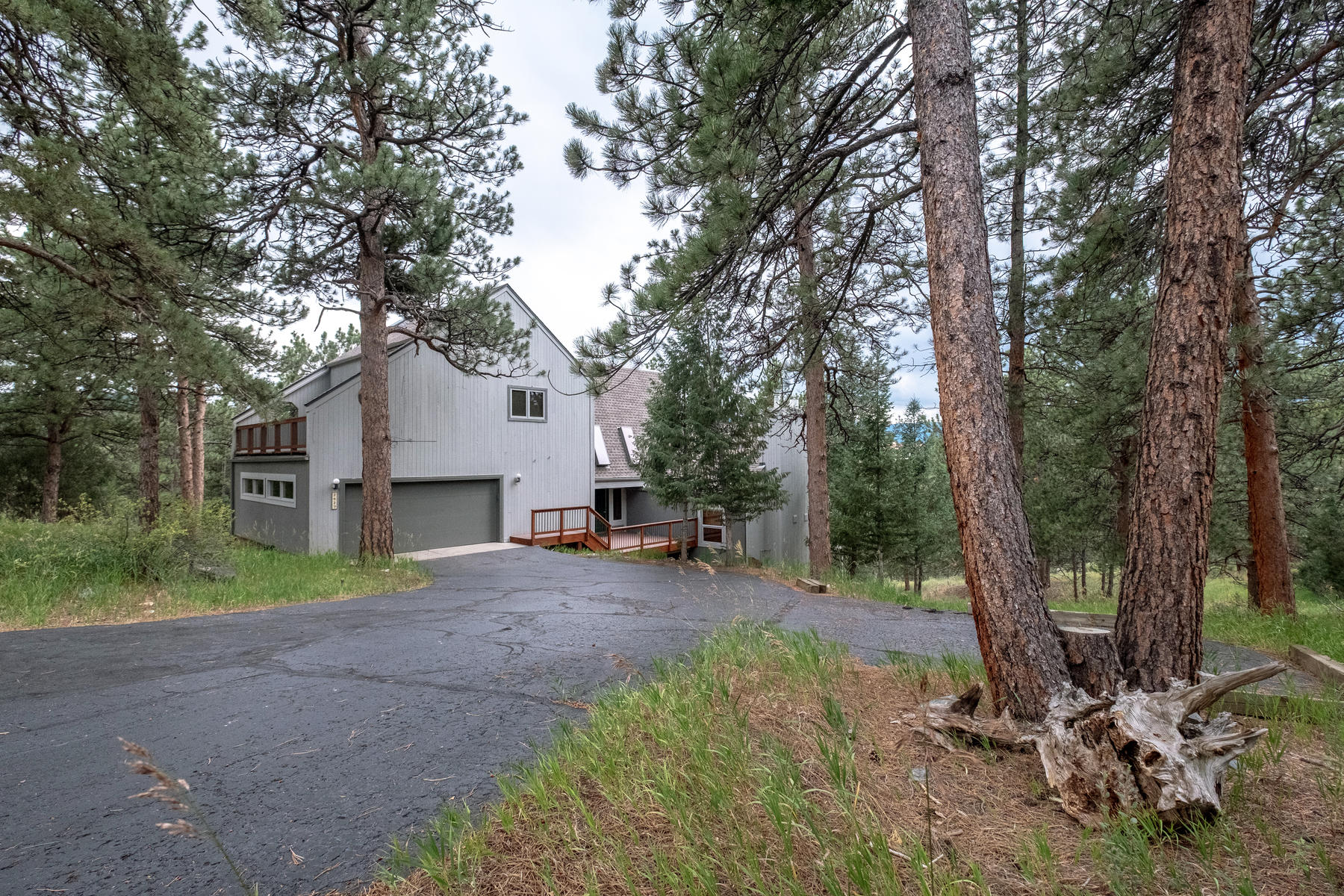 Additional photo for property listing at Tranquility Surrounded by Nature, Views, Privacy, Quietness 2427 Daisy Lane Golden, Colorado 80401 United States