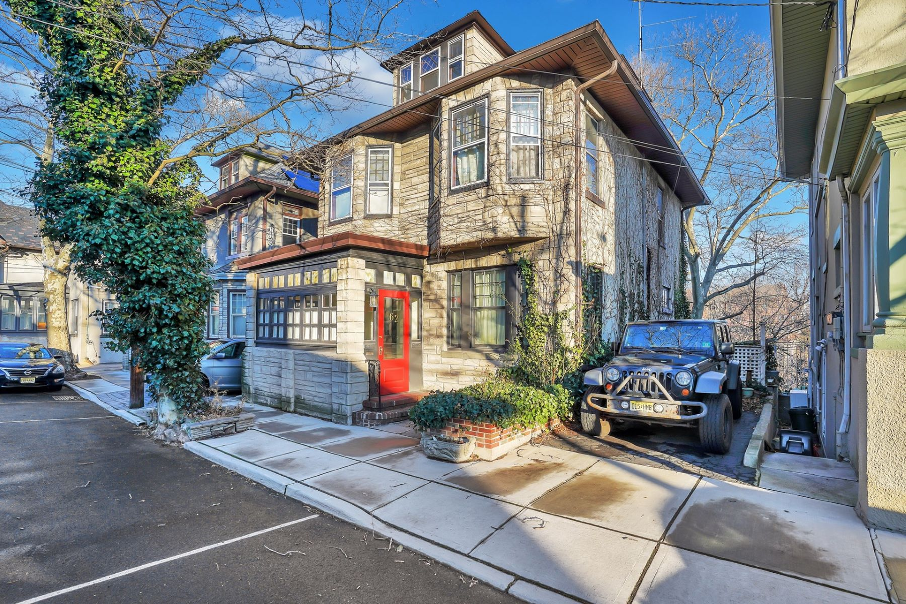 Single Family Homes for Sale at Located in Weehawken's favorite location of Sterling Ave 62 Sterling Ave, Weehawken, New Jersey 07086 United States