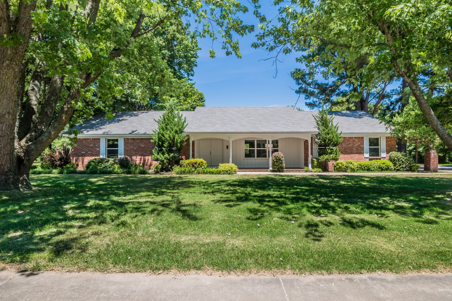 Single Family Homes por un Venta en Fayetteville, Arkansas 72703 Estados Unidos