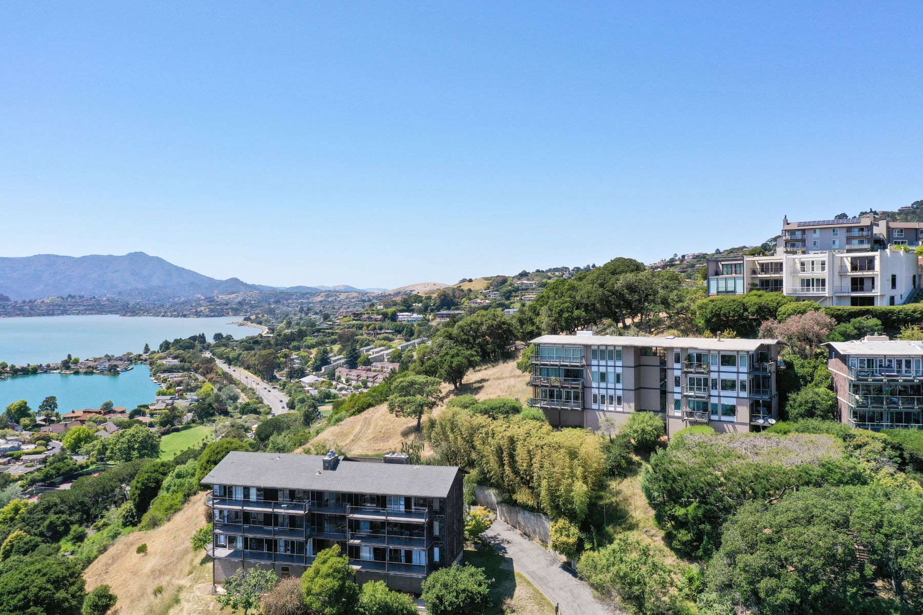 Property for Sale at Stunning Panoramic View Tiburon Condominium! 45 Corinthian Ct #22 Tiburon, California 94920 United States