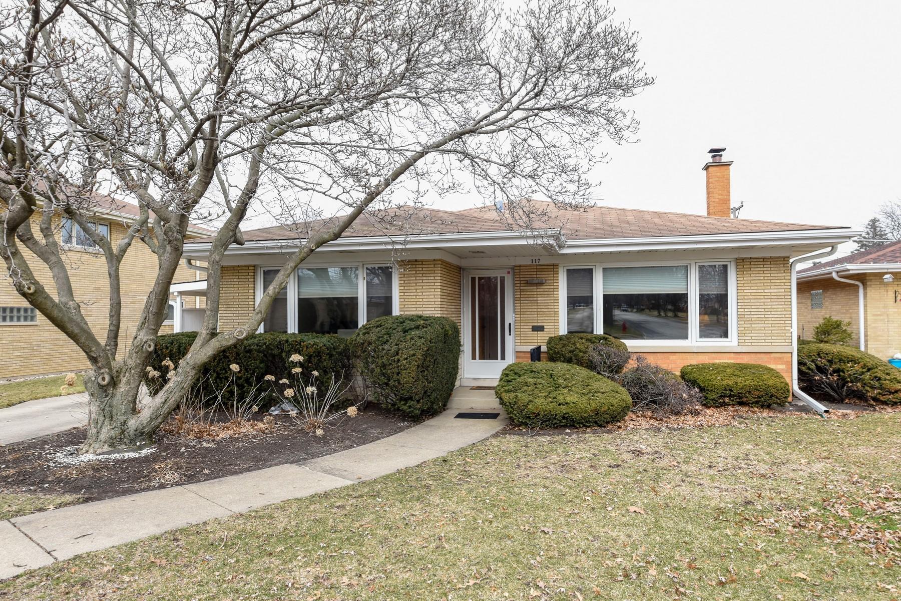 Nhà ở một gia đình vì Bán tại Beautiful Bi-Level Home 117 29th Street, La Grange Park, Illinois, 60526 Hoa Kỳ