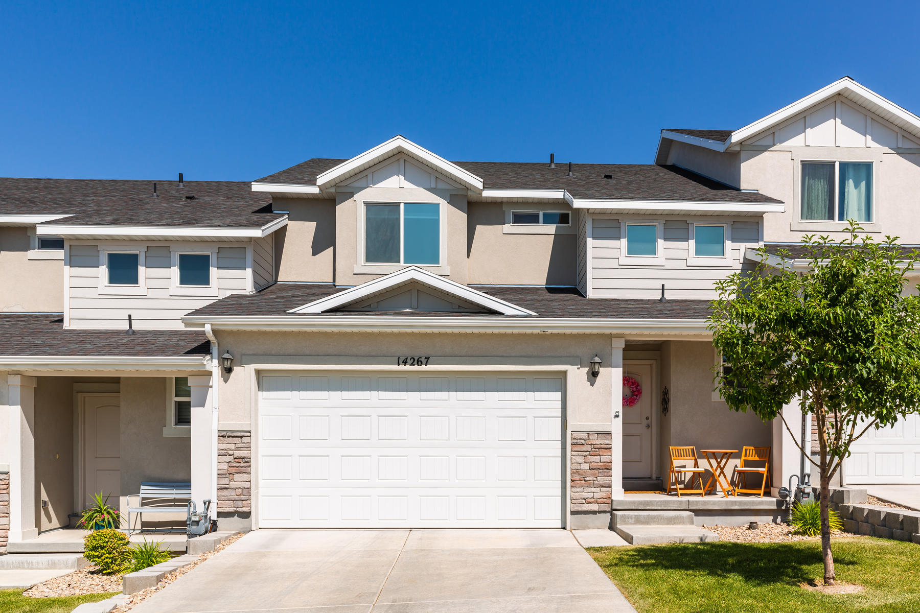 townhouses vì Bán tại Not Your Typical Townhome 14267 Meadow Rose Dr, Herriman, Utah 84096 Hoa Kỳ