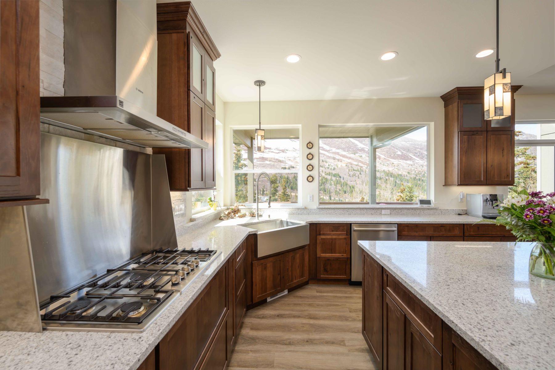 Additional photo for property listing at 2110 South River Drive, Eagle River, Alaska 99577 Estados Unidos