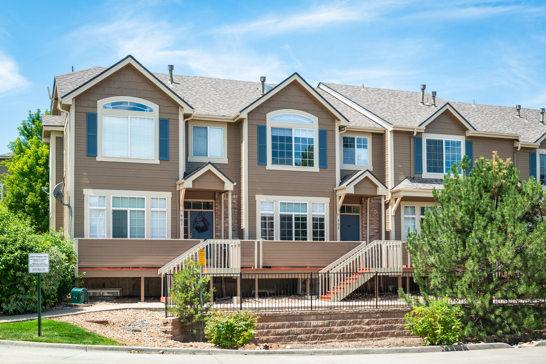 Townhouse for Active at Wonderfully Updated And Immaculately Maintained Townhouse 5555 E Briarwood Ave #902 Centennial, Colorado 80122 United States