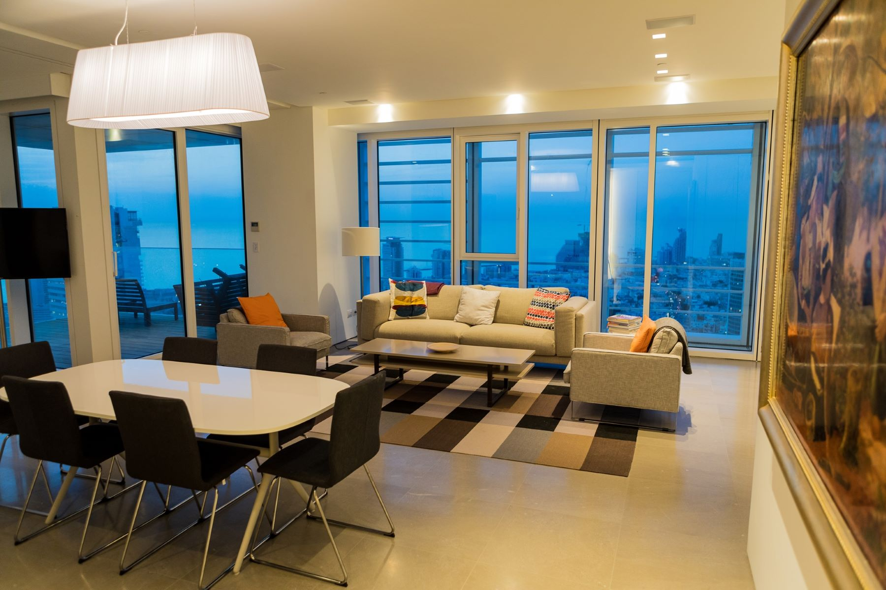 Additional photo for property listing at Sea View Designer Apartment on Rothschild Boulevard 特拉维夫, 以色列 以色列