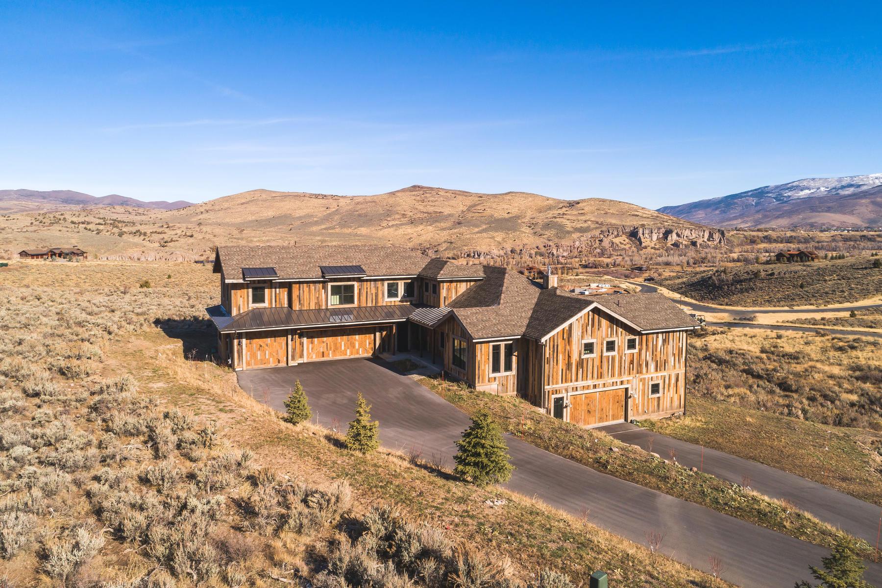 Single Family Homes vì Bán tại Spacious Single Family Home In Victory Ranch 7111 N Caddis Dr, Heber City, Utah 84032 Hoa Kỳ