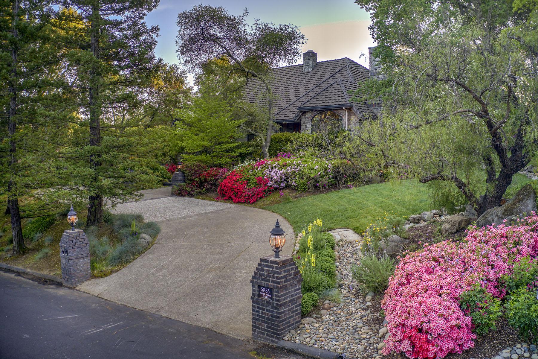 Single Family Homes 为 销售 在 5835 Valle Vista Ct, Granite Bay, CA 95746 5835 Valle Vista Ct Granite Bay, 加利福尼亚州 95746 美国