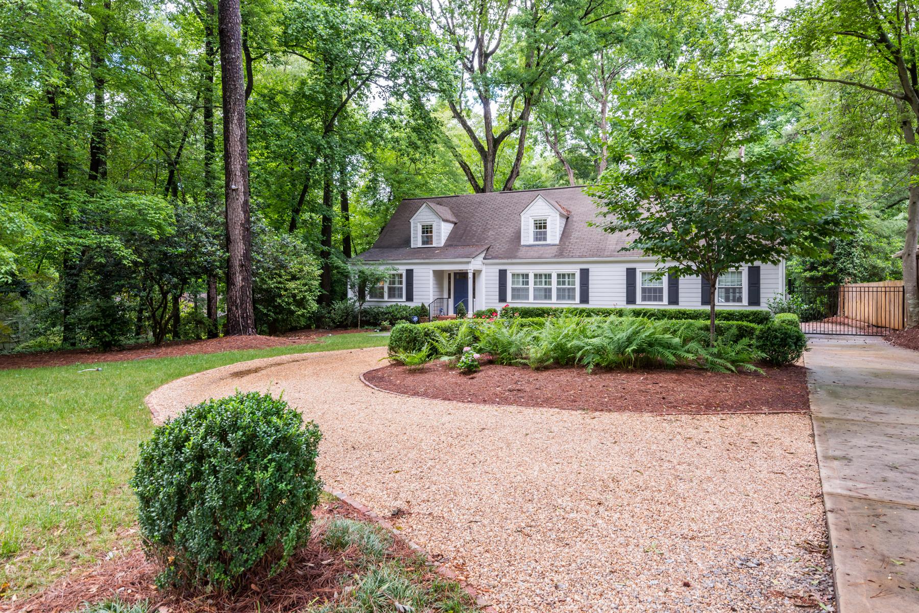独户住宅 为 销售 在 Inviting, Spacious, Light-Infused Cape Cod 1403 Moores Mill Road NW 亚特兰大, 乔治亚州, 30327 美国