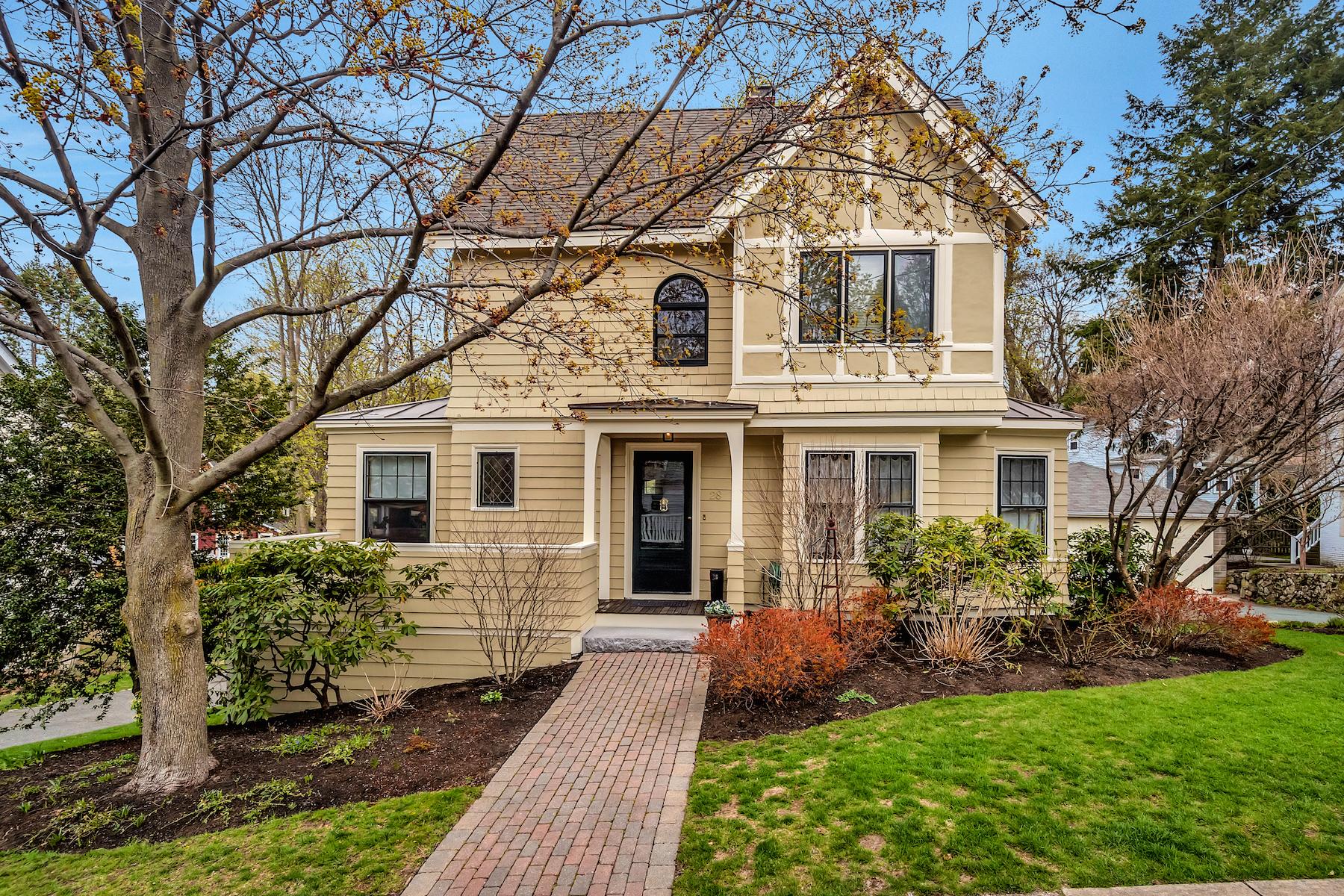 Maison unifamiliale pour l Vente à 28 Symmes Rd Winchester Winchester, Massachusetts, 01890 États-Unis