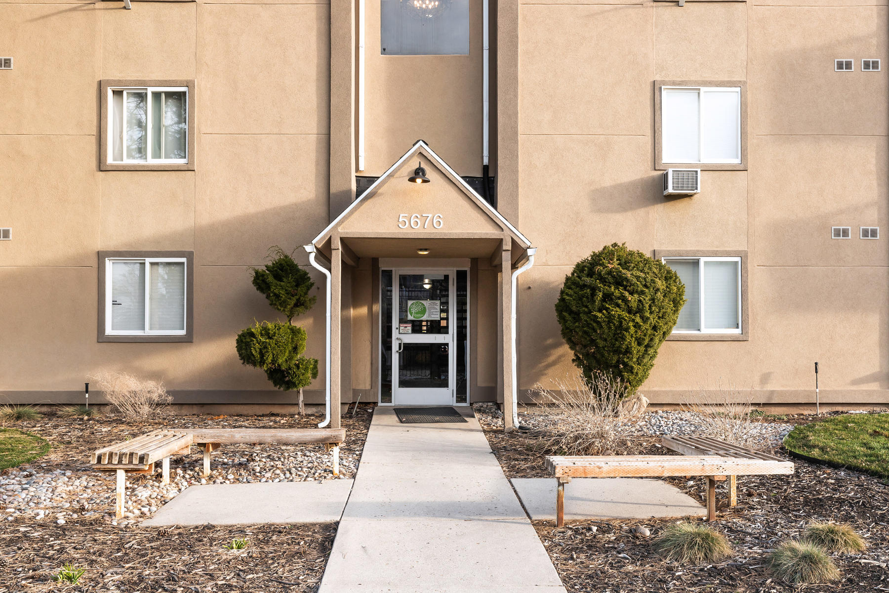 Condominiums for Sale at Updated Condo in South Ogden 5676 S Meadow Lane #106 South Ogden, Utah 84403 United States