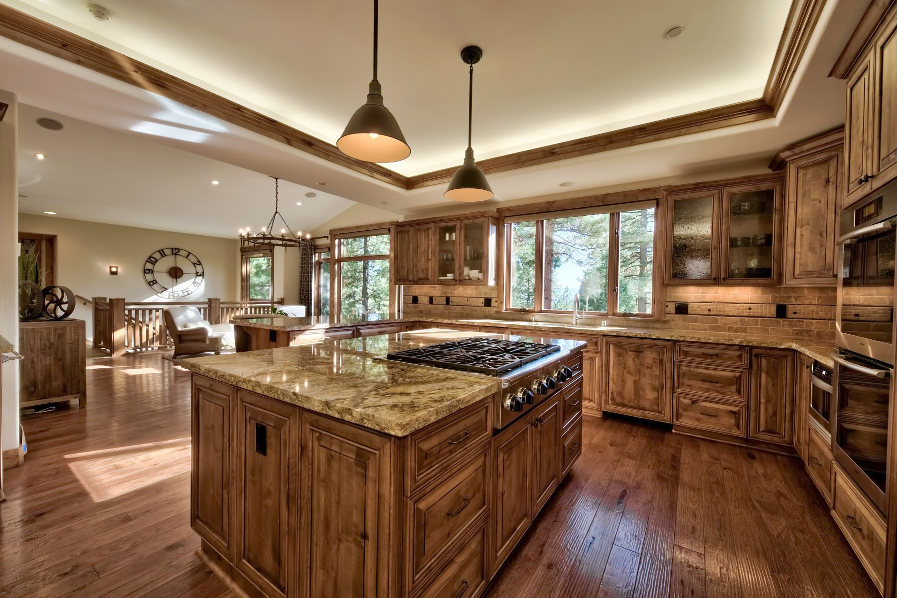 Additional photo for property listing at Stunning Lake Tahoe home 383 2nd Tee Drive Incline Village, Nevada 89451 United States