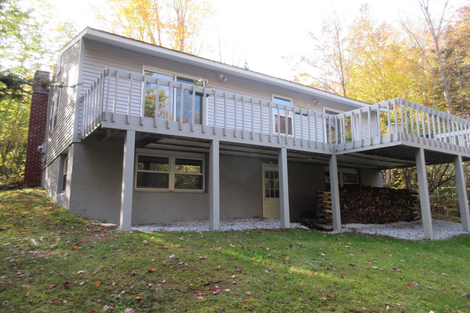 独户住宅 为 销售 在 Furnished & Turnkey -Totally Remodeled! 150 Highland Vw, 韦斯顿, 佛蒙特州, 05161 美国