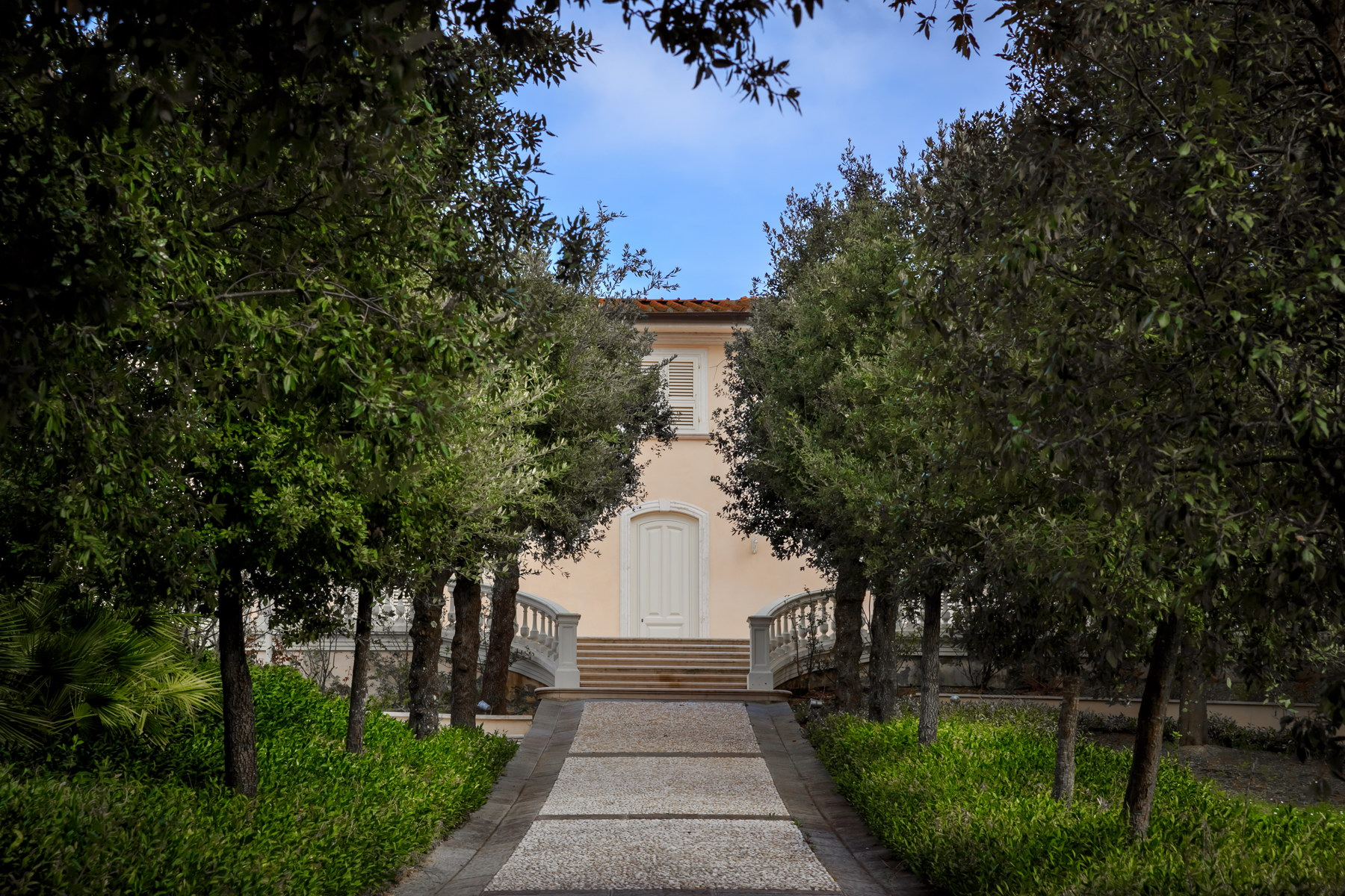 Additional photo for property listing at Magnificent property in the Florentine Chianti with pool and private park Montespertoli, Florence Italy