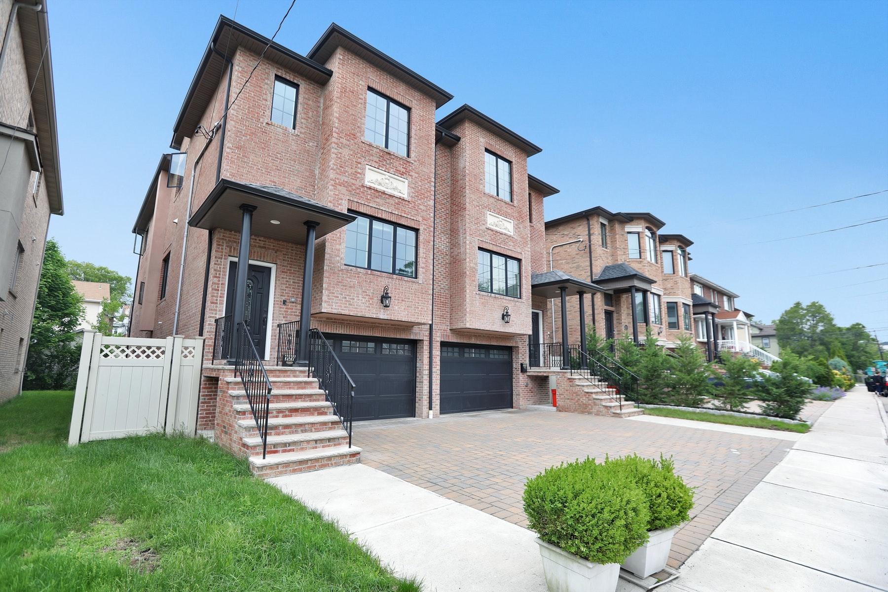 townhouses pour l Vente à Cliffside Park, New Jersey 07010 États-Unis
