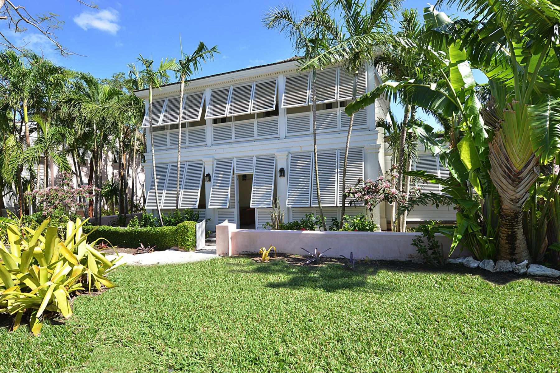 Single Family Home for Sale at Club Villa #8, Old Fort Bay Old Fort Bay, Nassau And Paradise Island Bahamas
