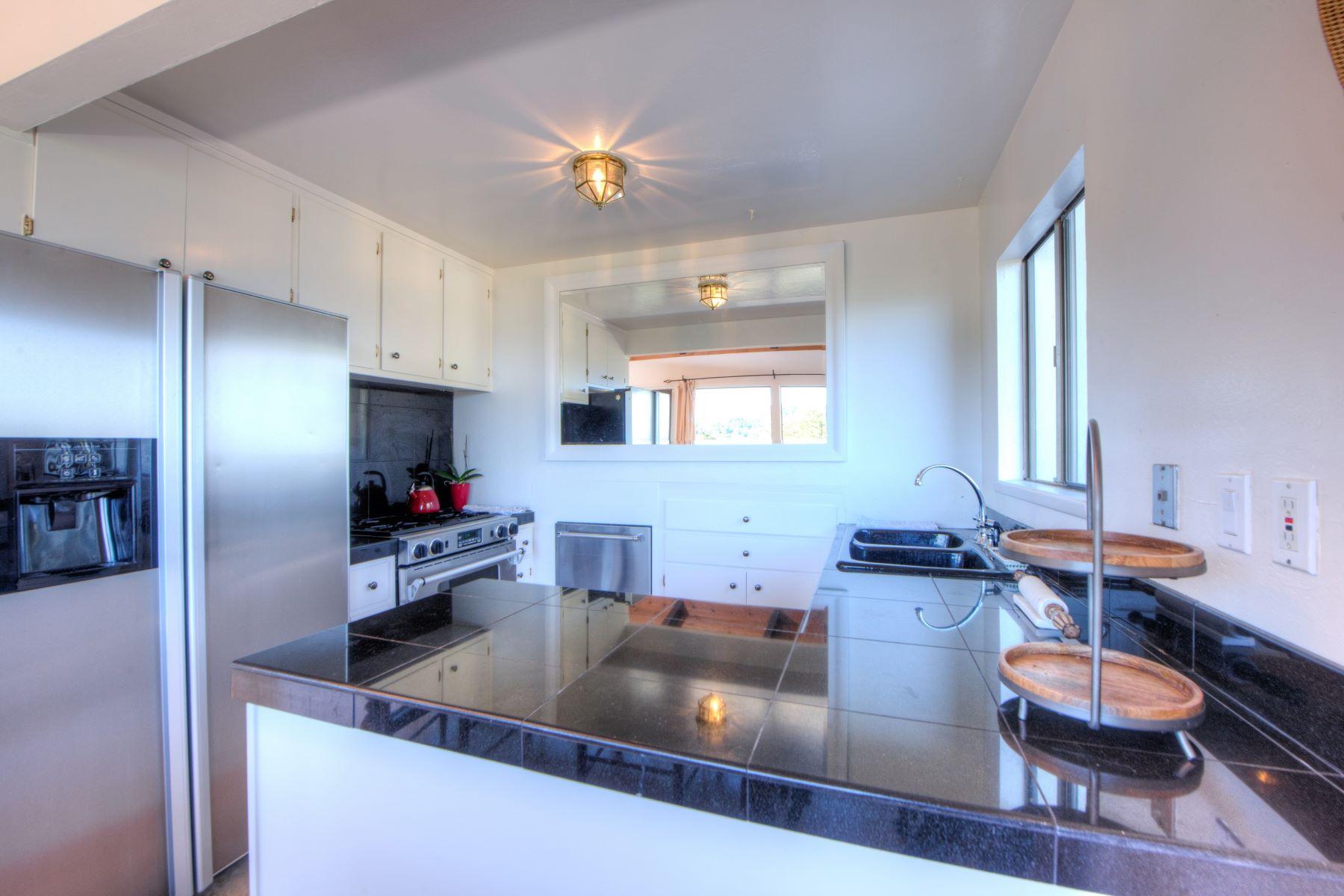 Additional photo for property listing at Panoramic Bay Views 4625 Paradise Drive Tiburon, California 94920 United States