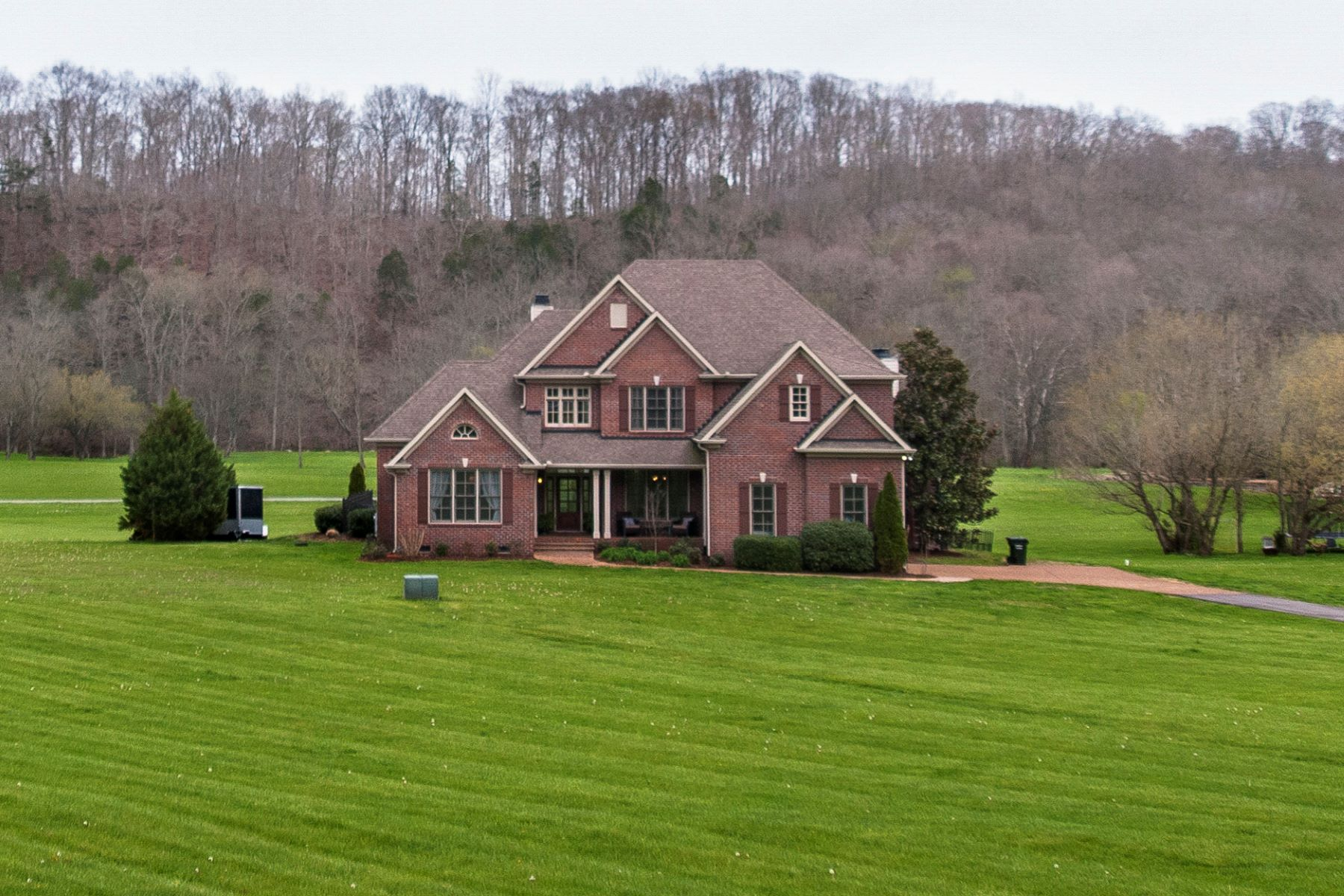 Single Family Home for Sale at Breathtaking Views 5210 Old Harding Rd Franklin, Tennessee 37064 United States