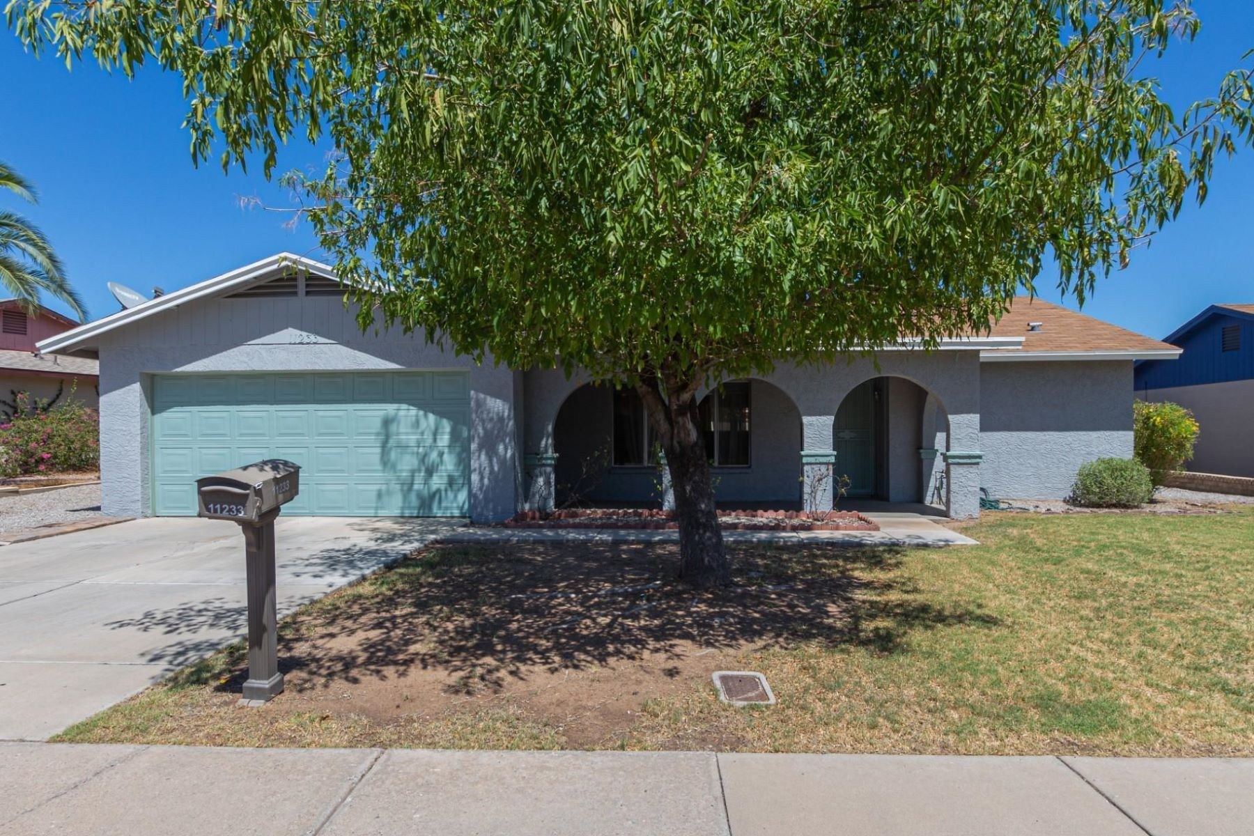 Single Family Homes for Active at Charming Energy Efficient Block Home 11233 N 58TH AVE Glendale, Arizona 85304 United States