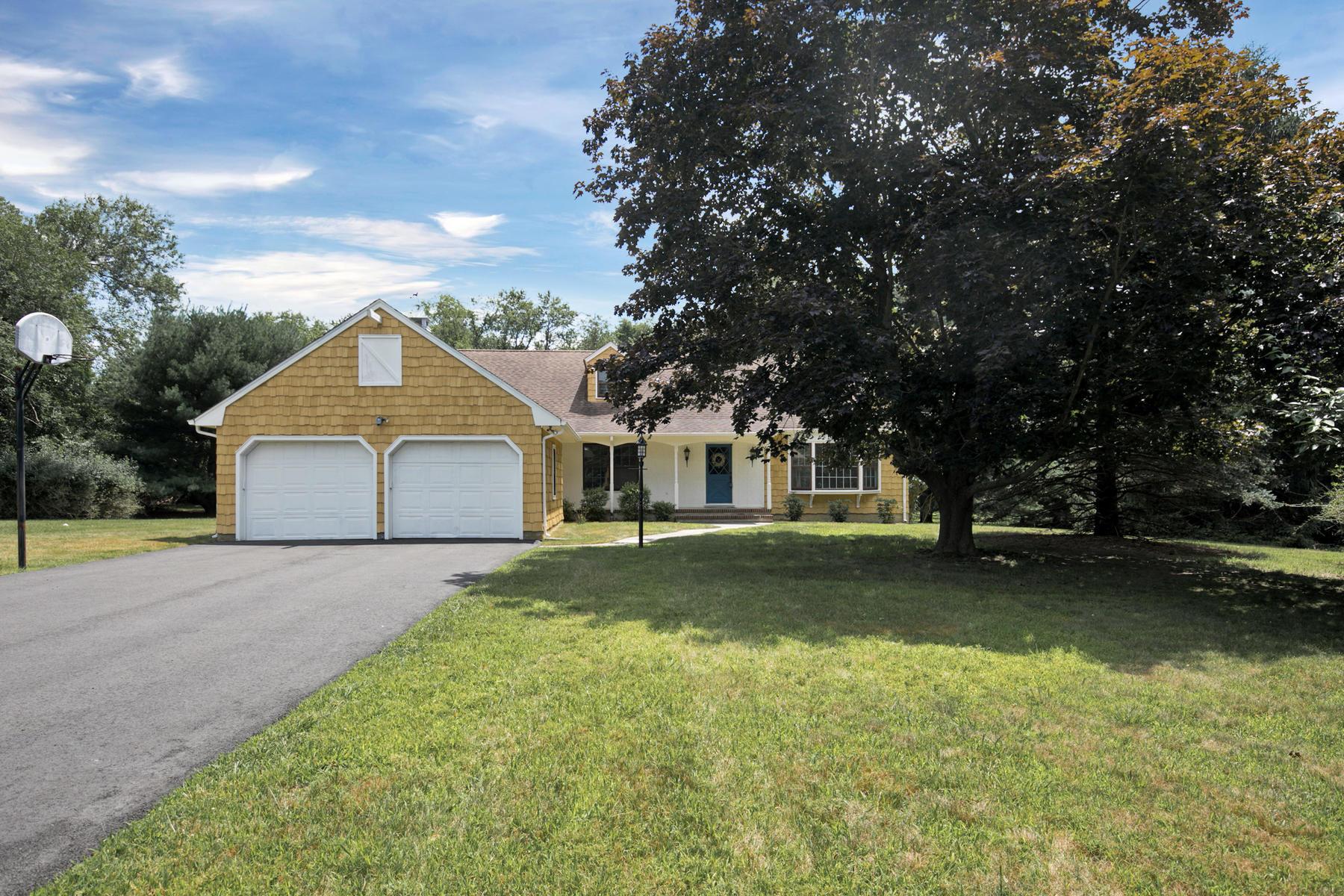 Частный односемейный дом для того Продажа на Feel The Tranquility Of Being Home 2504 Allenwood Lakewood Road Wallington, Нью-Джерси 07731 Соединенные Штаты