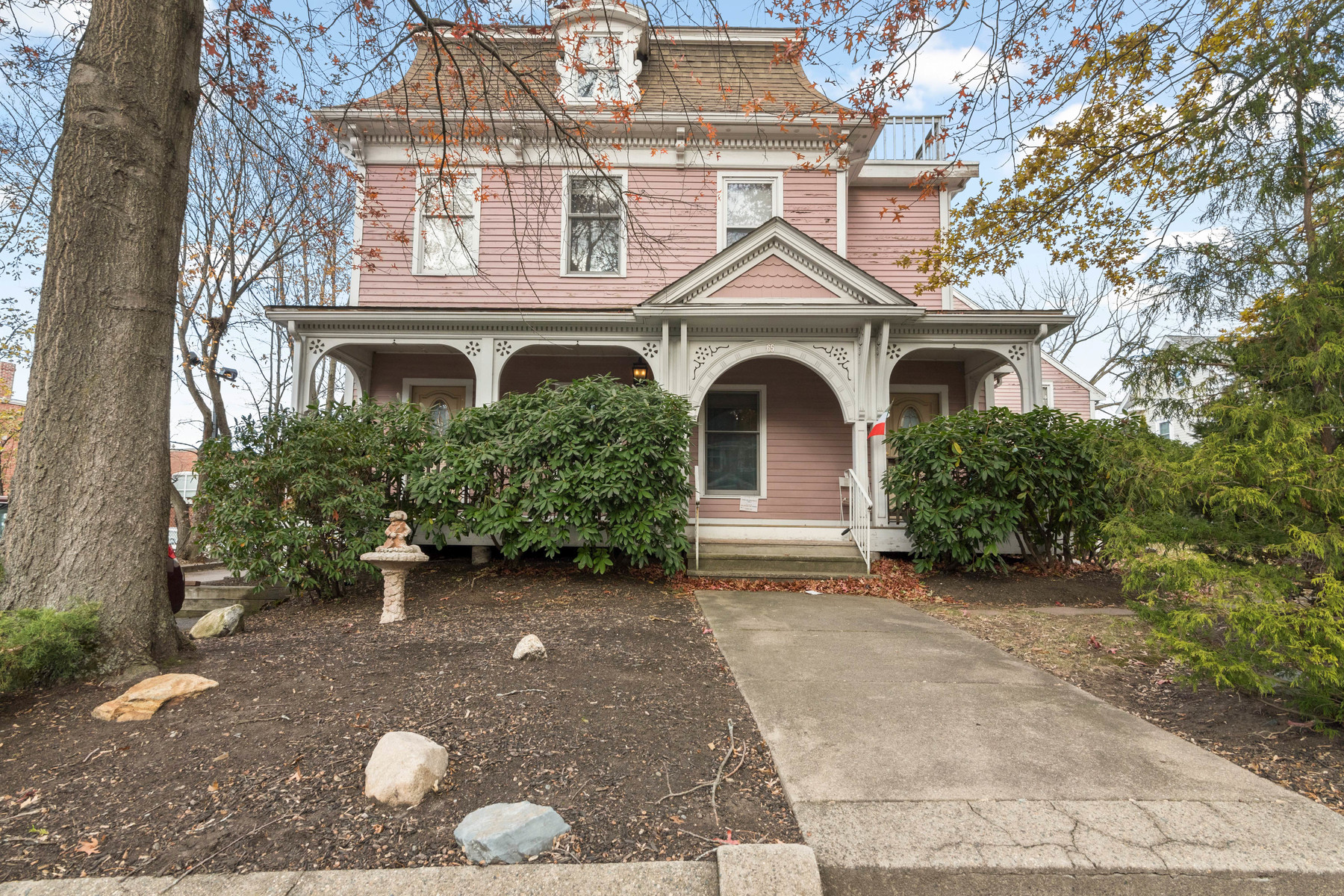 Single Family Home for Sale at 65 Jefferson St., Newton 65 Jefferson St Newton, Massachusetts 02458 United States