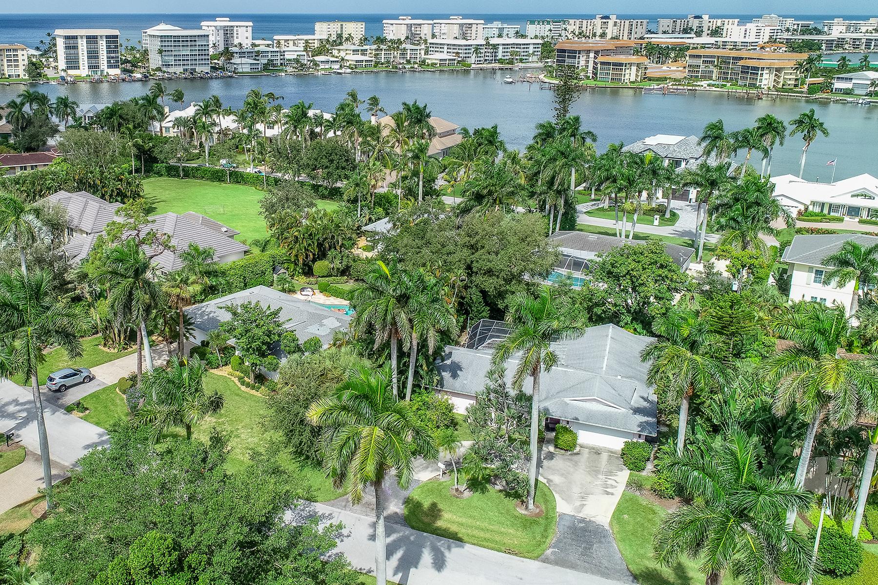 一戸建て のために 売買 アット 425 Putter Point Dr , Naples, FL 34103 425 Putter Point Dr Naples, フロリダ 34103 アメリカ合衆国