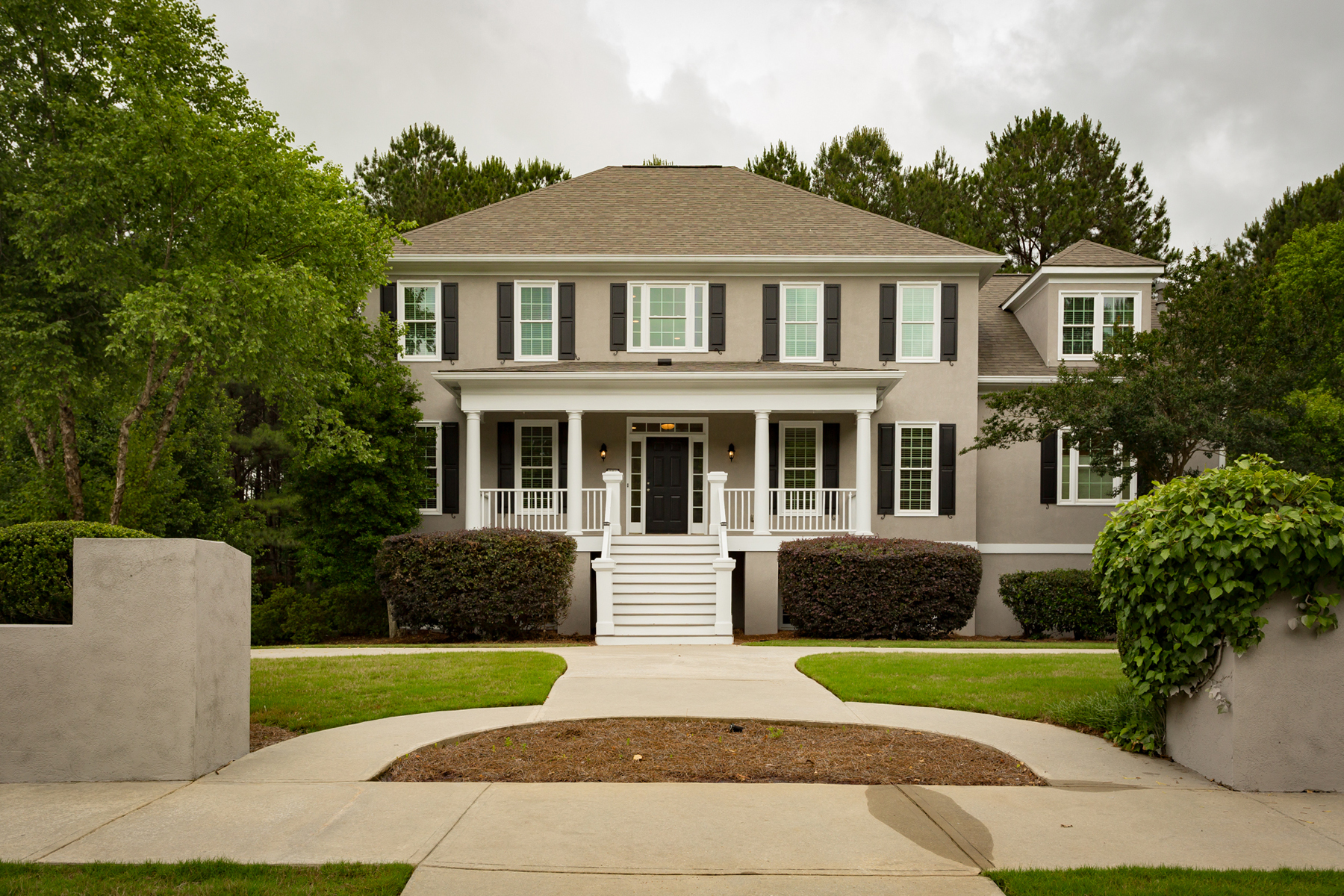 一戸建て のために 売買 アット Recently Updated And Move-In Ready Highgrove Home With Master On Main 275 Old Ivy Fayetteville, ジョージア 30215 アメリカ合衆国